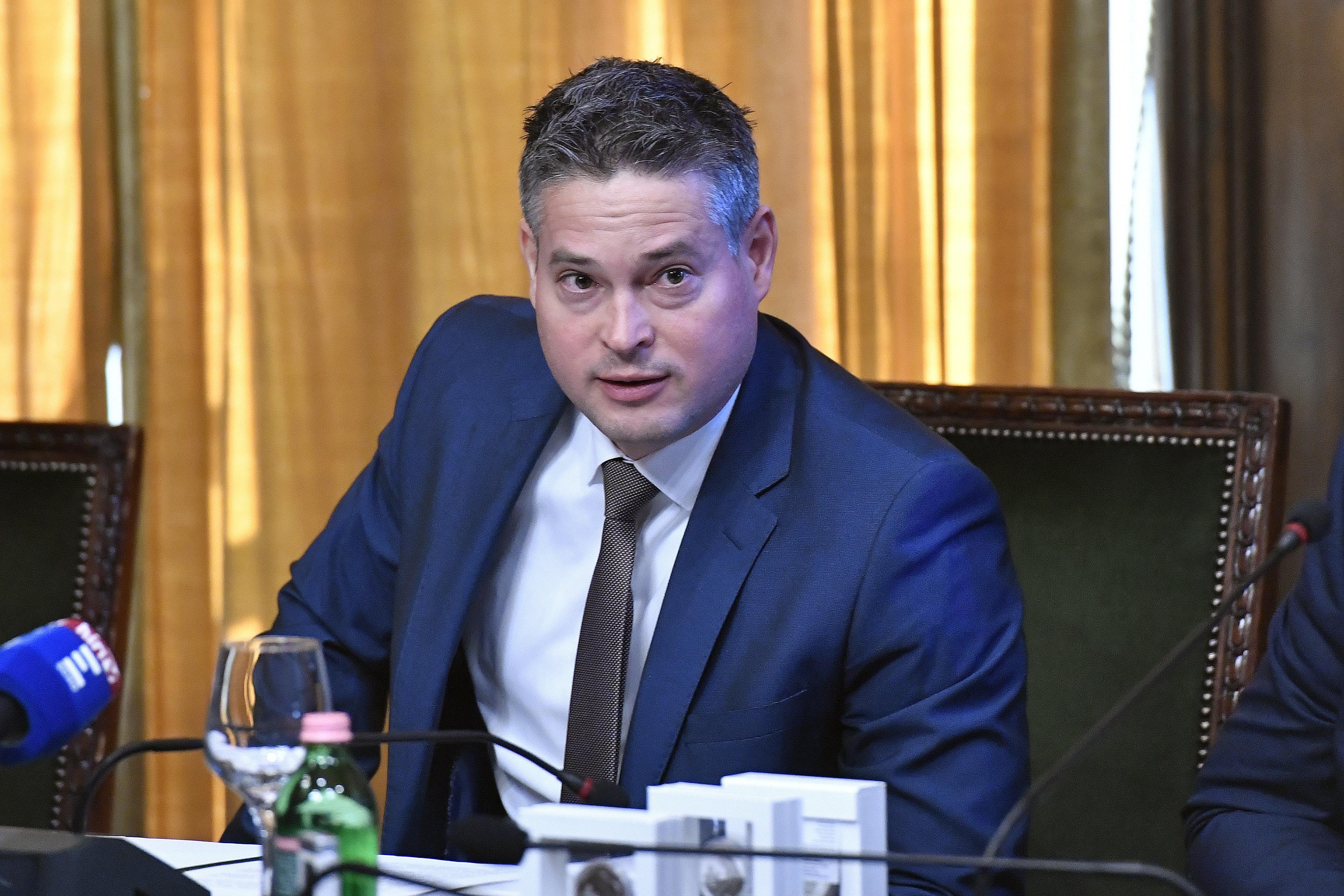 Tájékoztatást kért a járványhelyzetről a XV. kerület polgármestere, Sára Botond válasz helyett elmagyarázta, hogy miért nem válaszol
