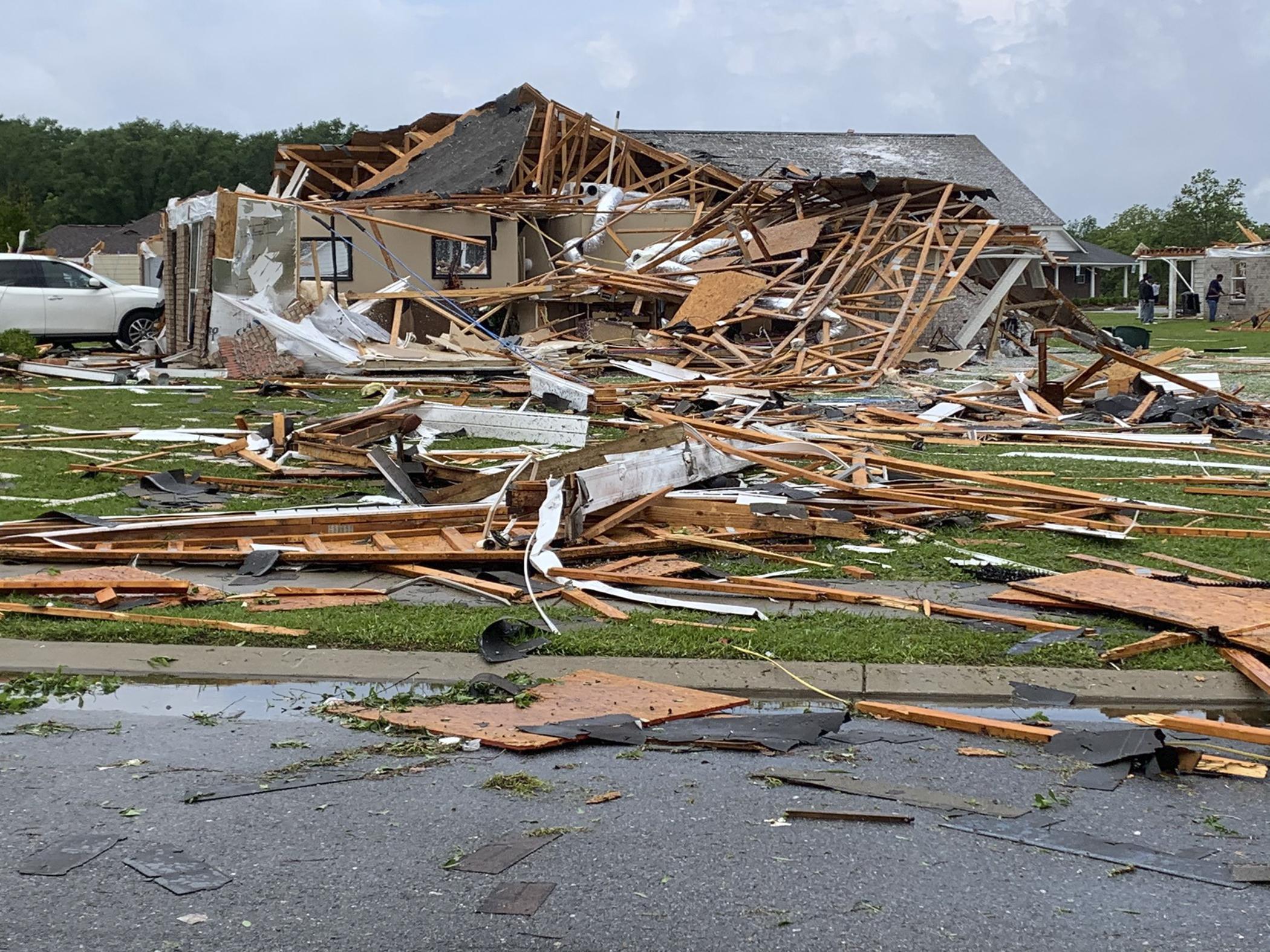 Tornádó pusztít az Egyesült Államok déli részén, harmincan meghaltak