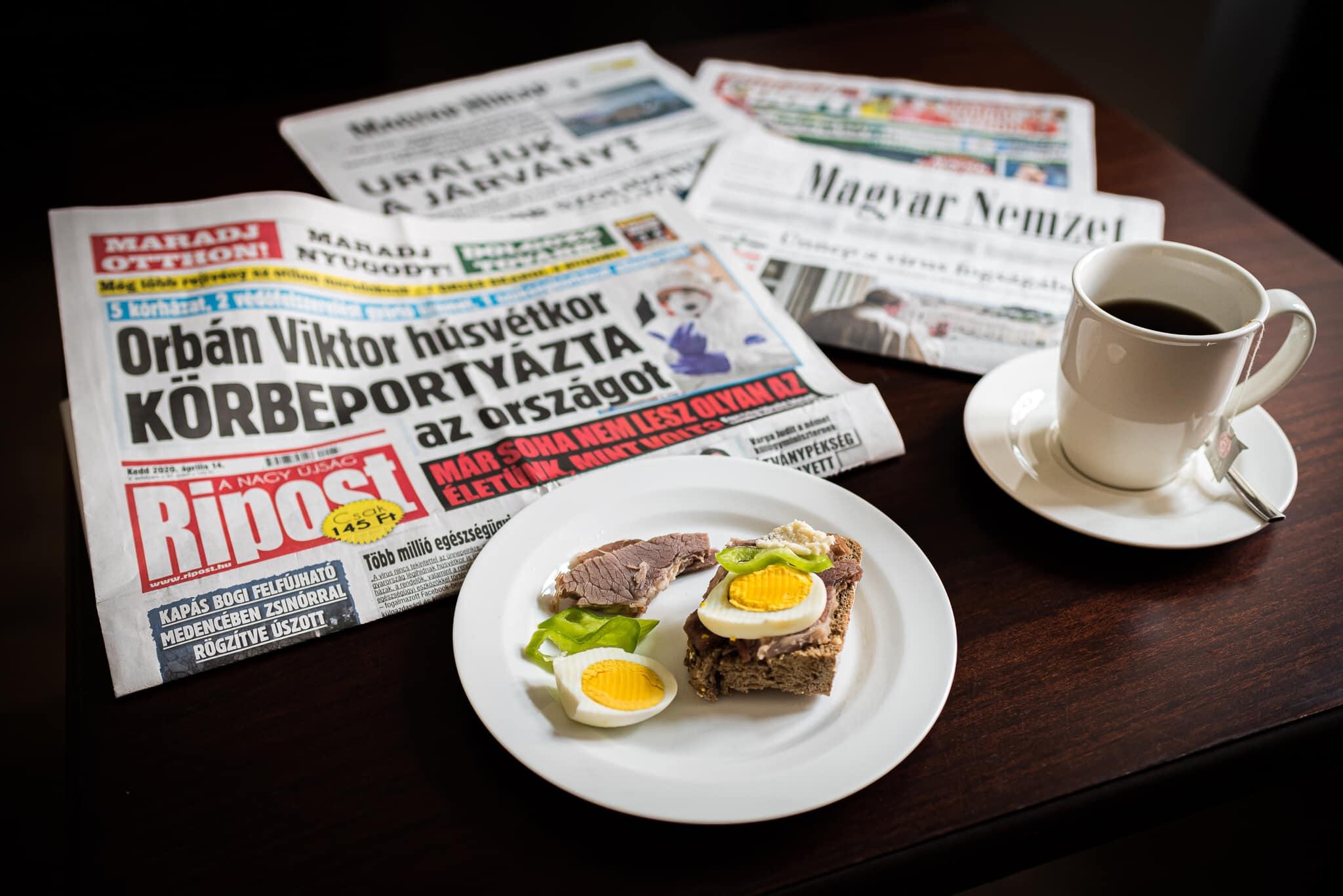 Orbán Viktor reggeli közben elolvasta a fideszes lapokban, hogy mindent nagyon jól csinál