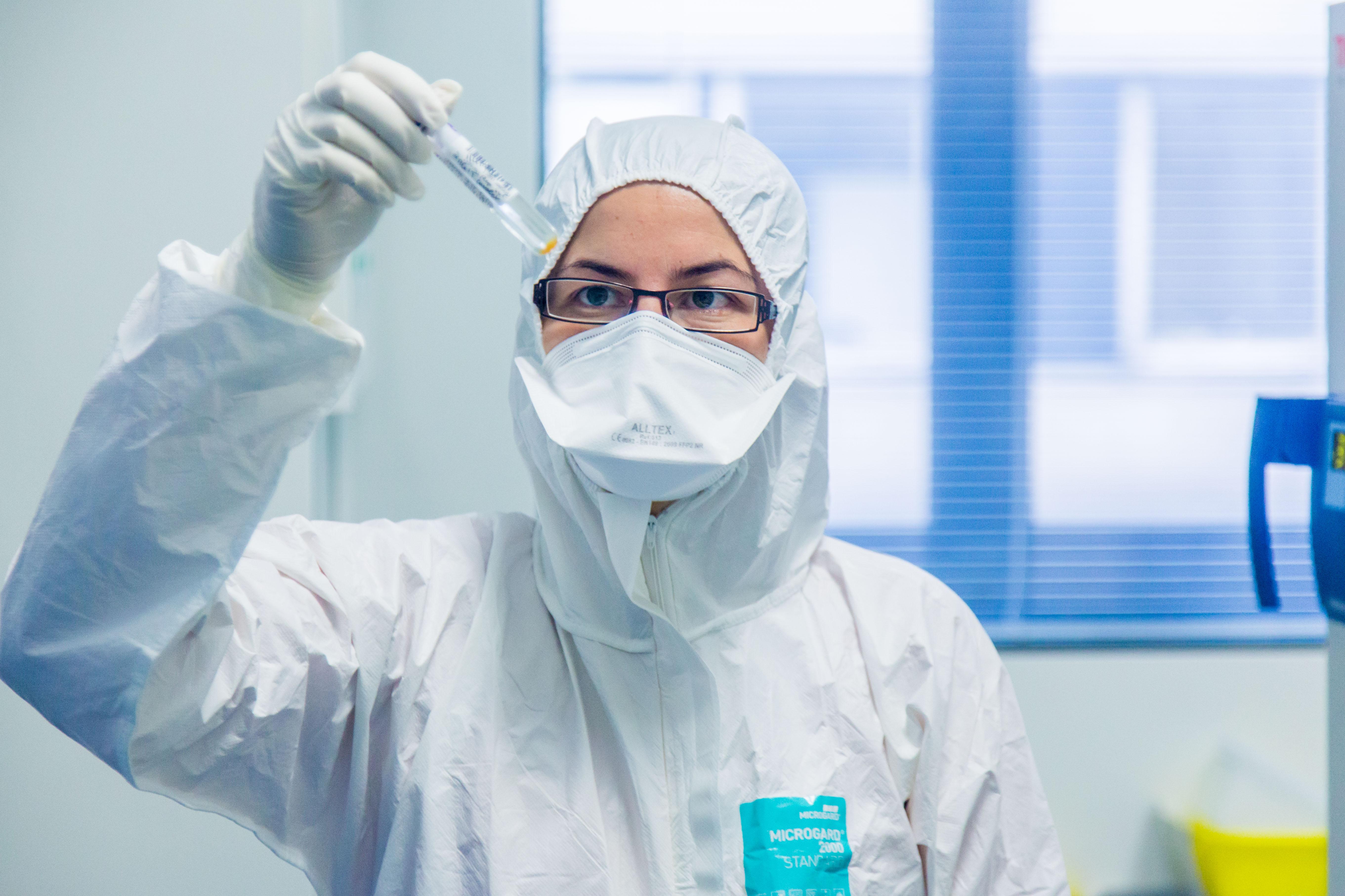 107 tünetmentes személy 13 pozitív koronavírusteszt-eredményt adott szerdán a Kelen Magánkórházban