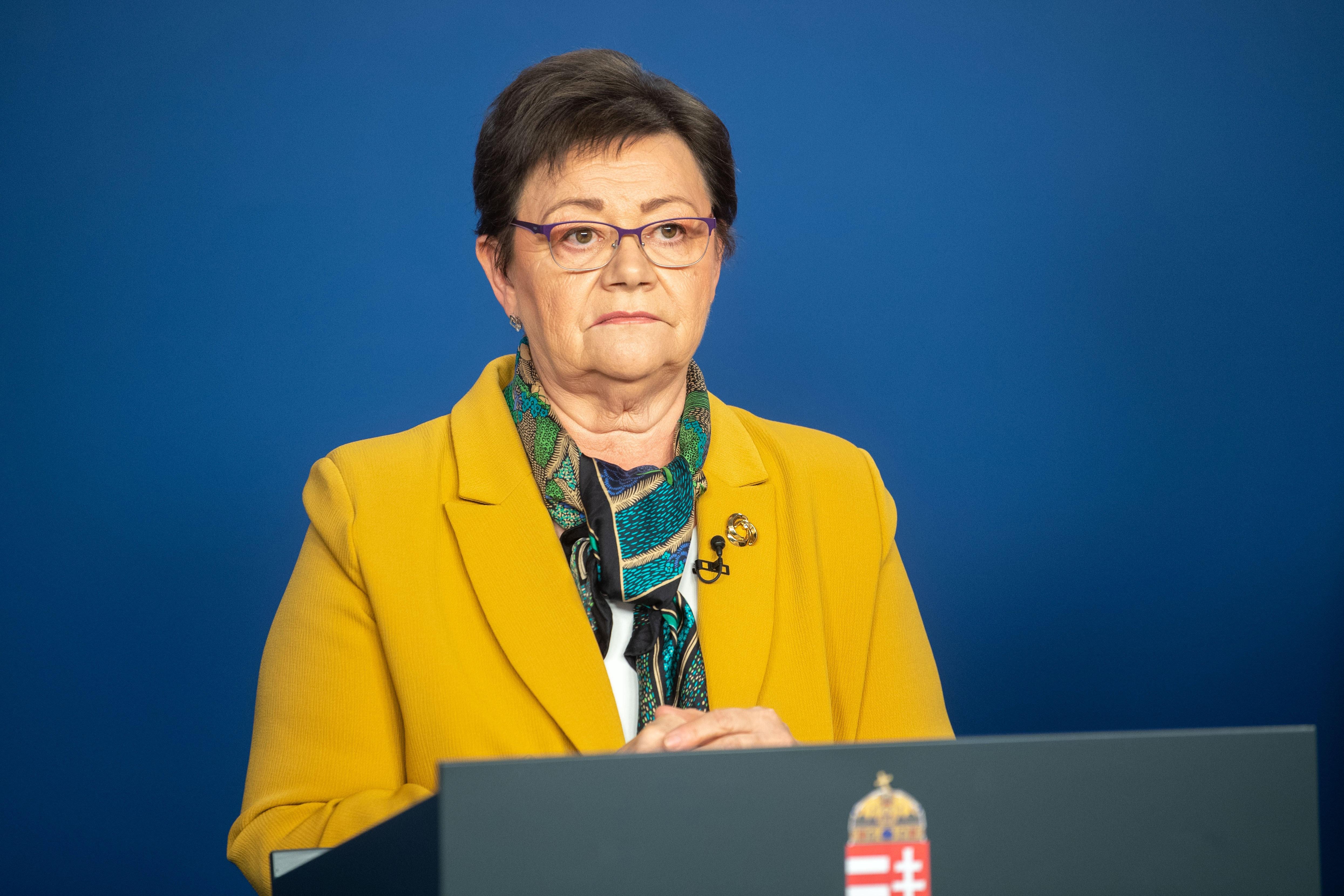Müller Cecília nem válaszolt a járvánnyal kapcsolatos kérdésekre sem, mondván, az veszélyeztetné a sikeres védekezést