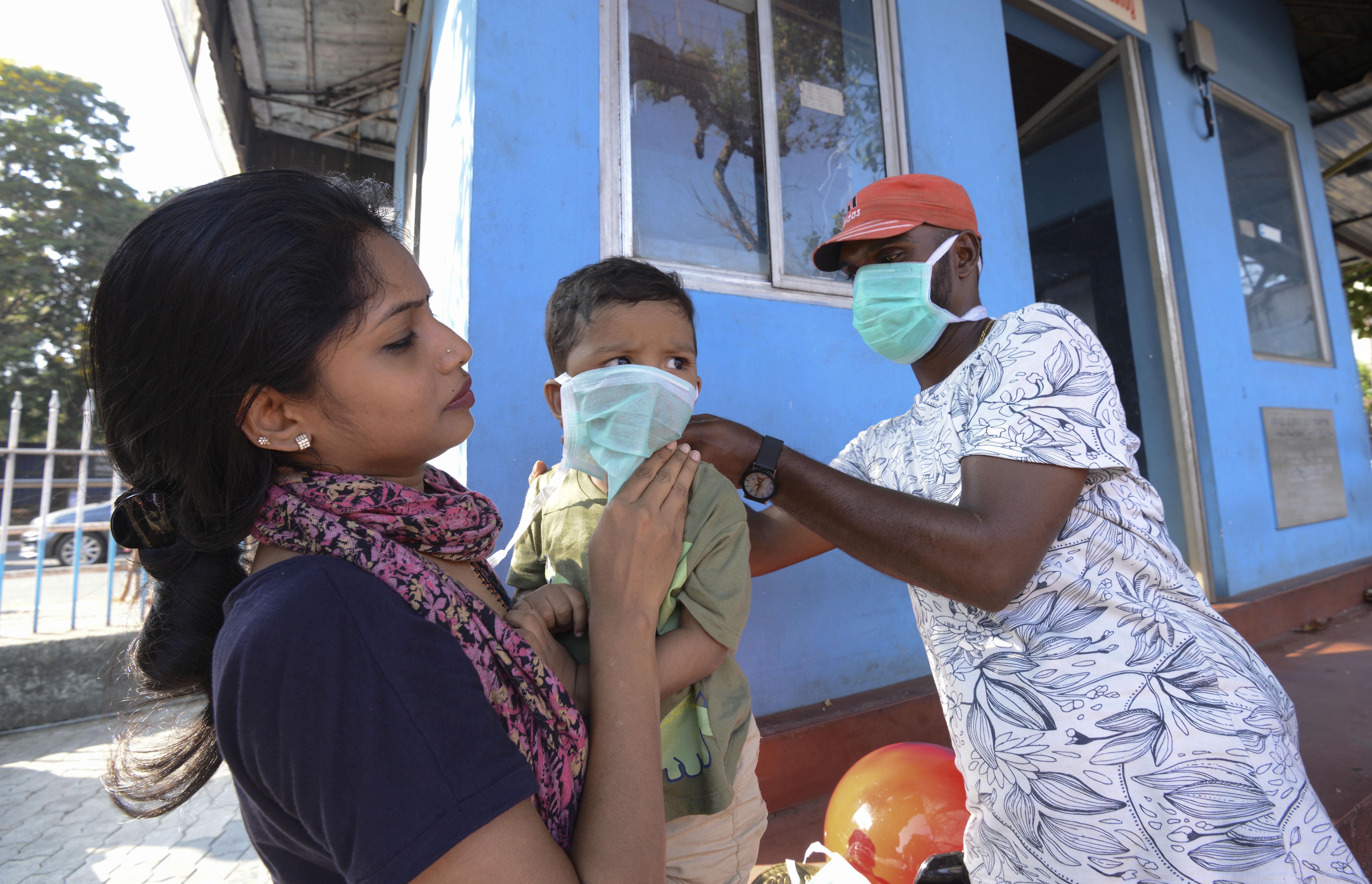 Indiában akár 7 év börtönt is kaphat az, aki egészségügyi dolgozóra támad