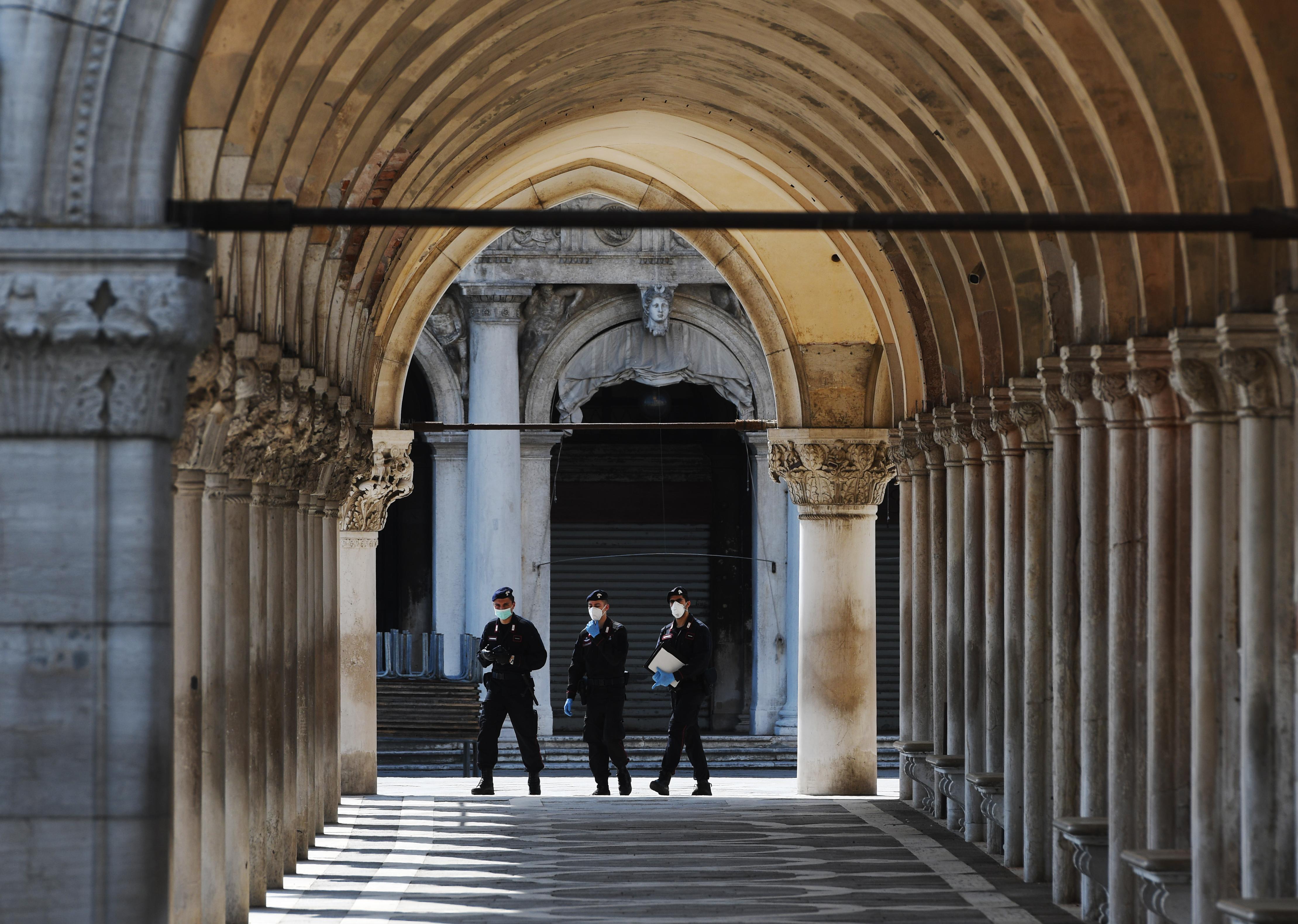 Elsősorban a gazdaság újraindításán dolgoznak Olaszországban