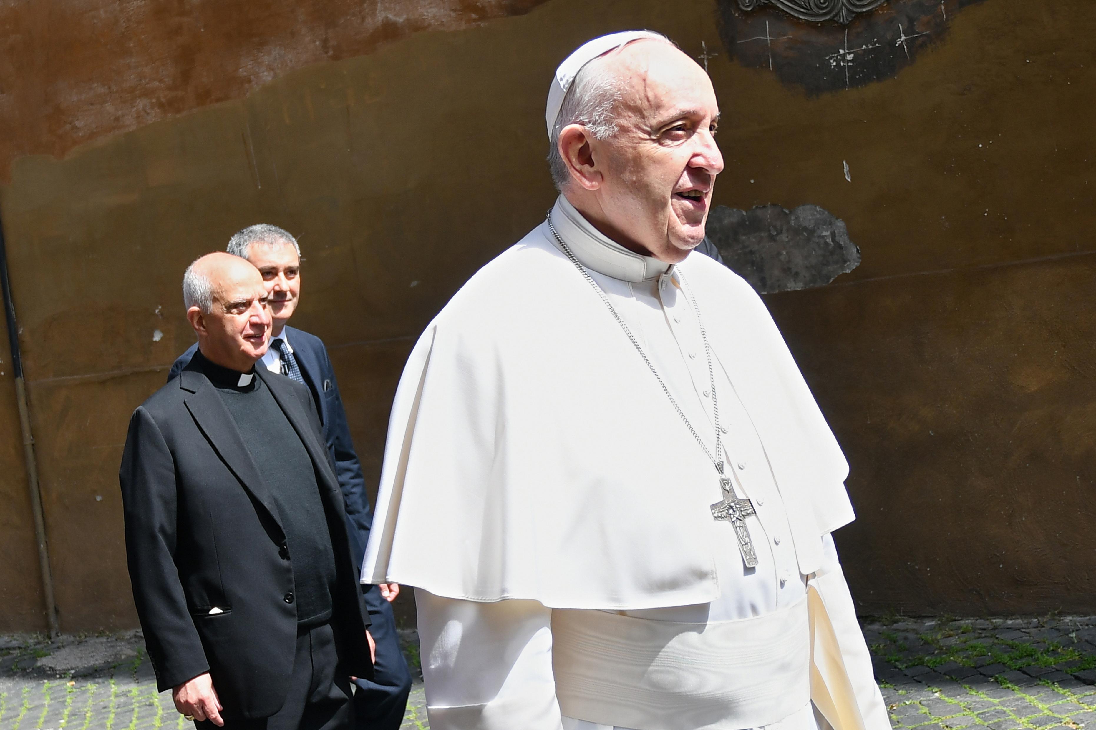 Ferenc pápa: Méltóságteljes munkavégzést, ne rabszolgamunkát!