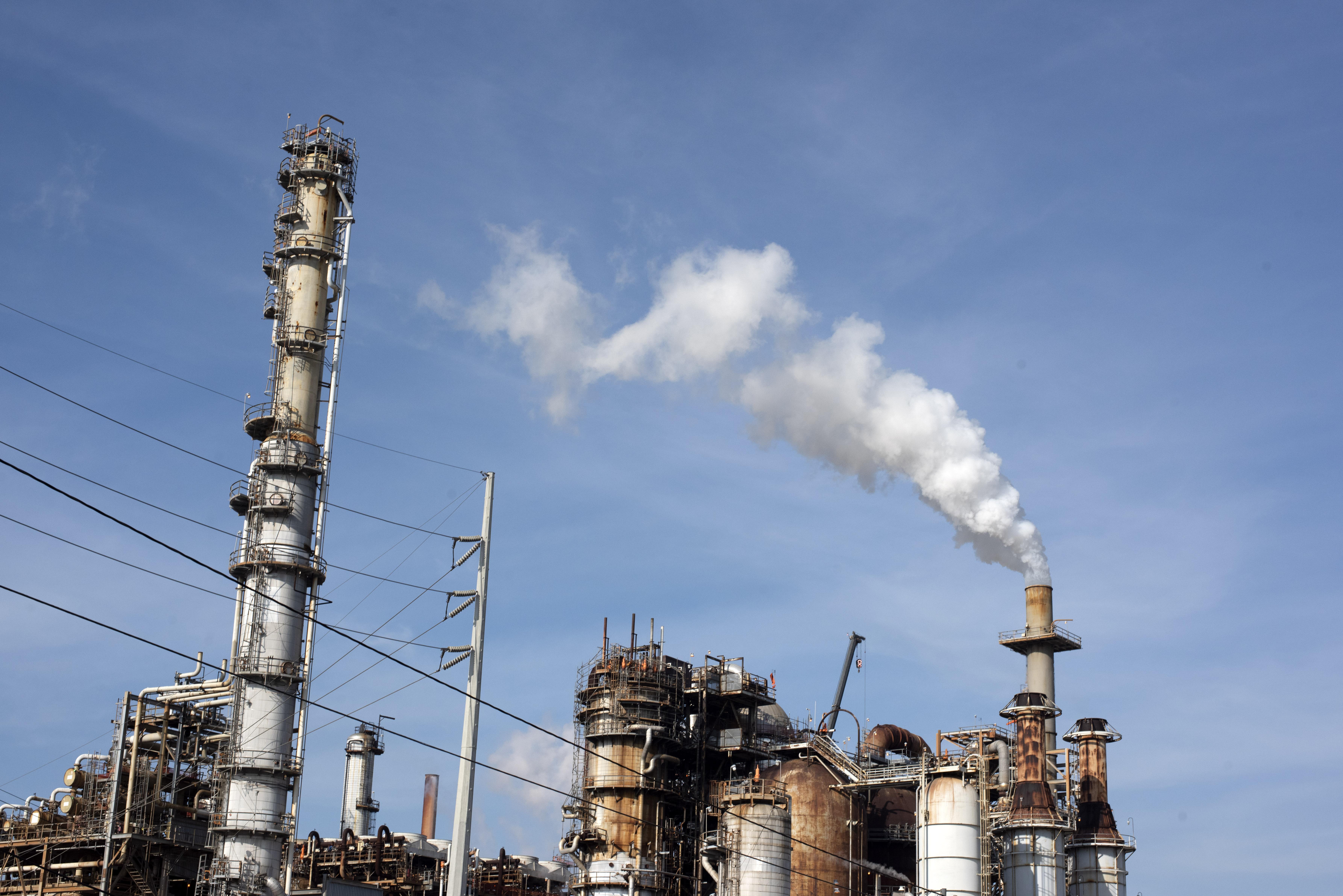 Kilenc százalékkal esik idén a világgazdaság olajfelhasználása