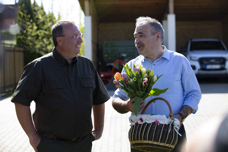 Az agrárminiszter virágvásárlásra buzdít