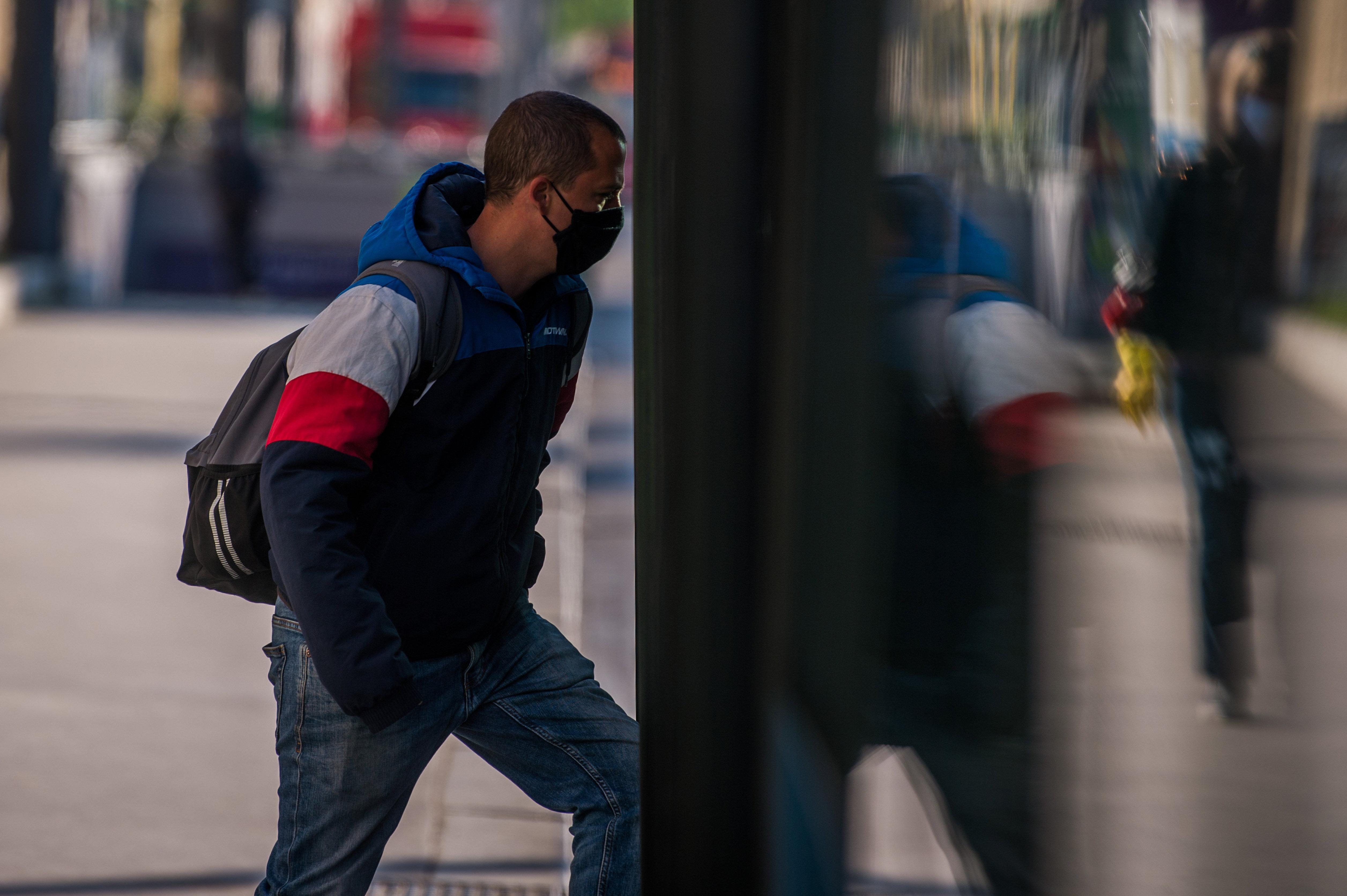 A buszsofőröket is bírságolják majd, ha maszk nélküli utasokat engednek fel a Volánbusz járataira