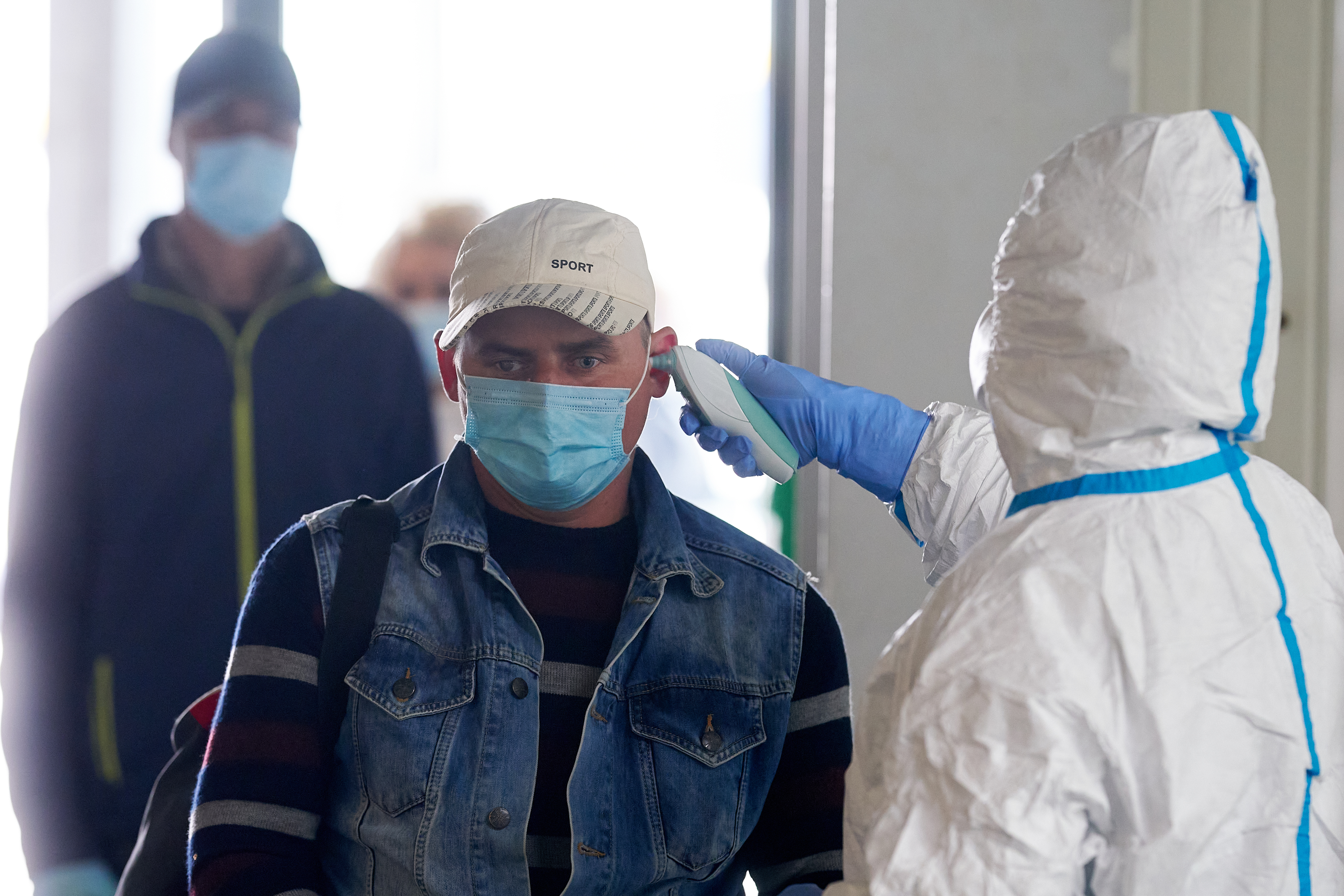 Franciaországban és Japánban is megjelent a koronavírus-mutáció