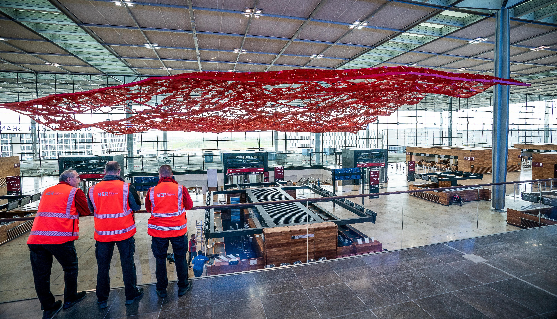 Botrányokkal teletűzdelt évtized után nyílhat meg Berlin új repülőtere