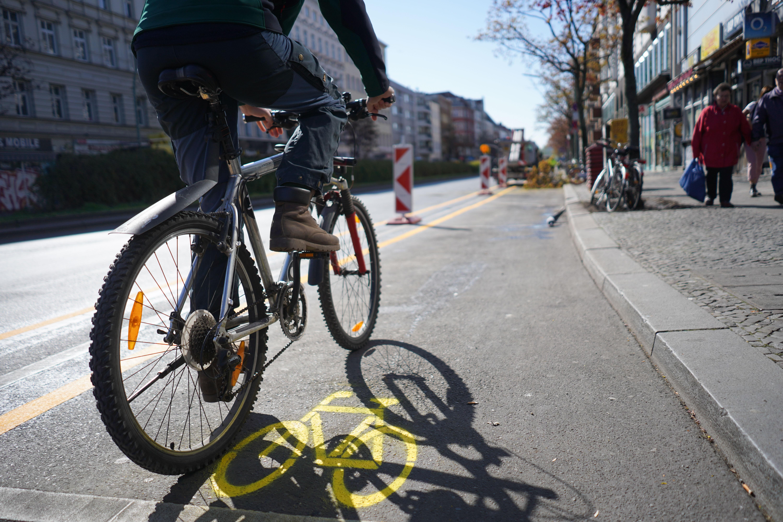 Gyalogos- és biciklisbarátabb közlekedést hozhat a járvány sok európai városba