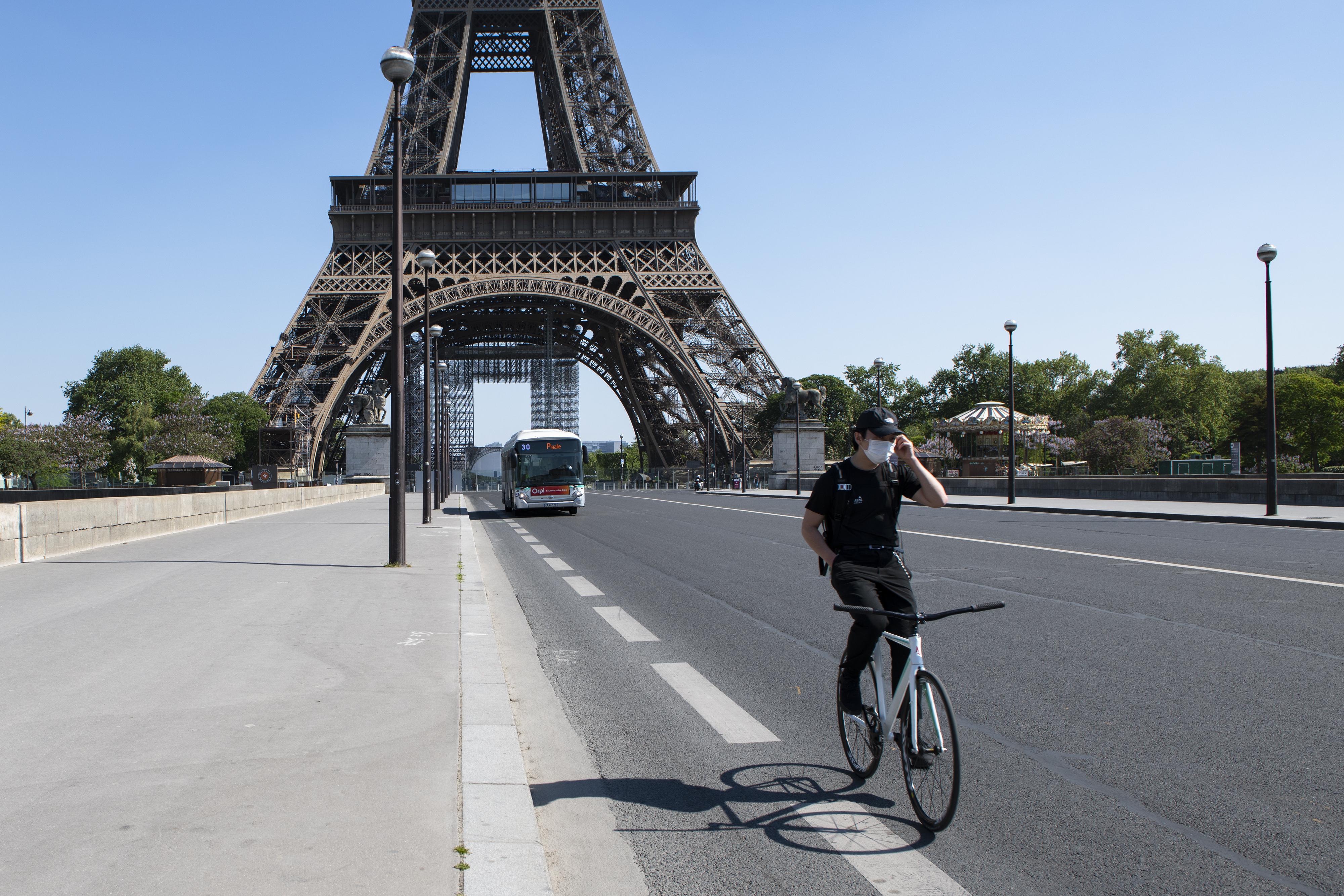 Majd 1 millió francia igényelt állami támogatást régi biciklijének javítására
