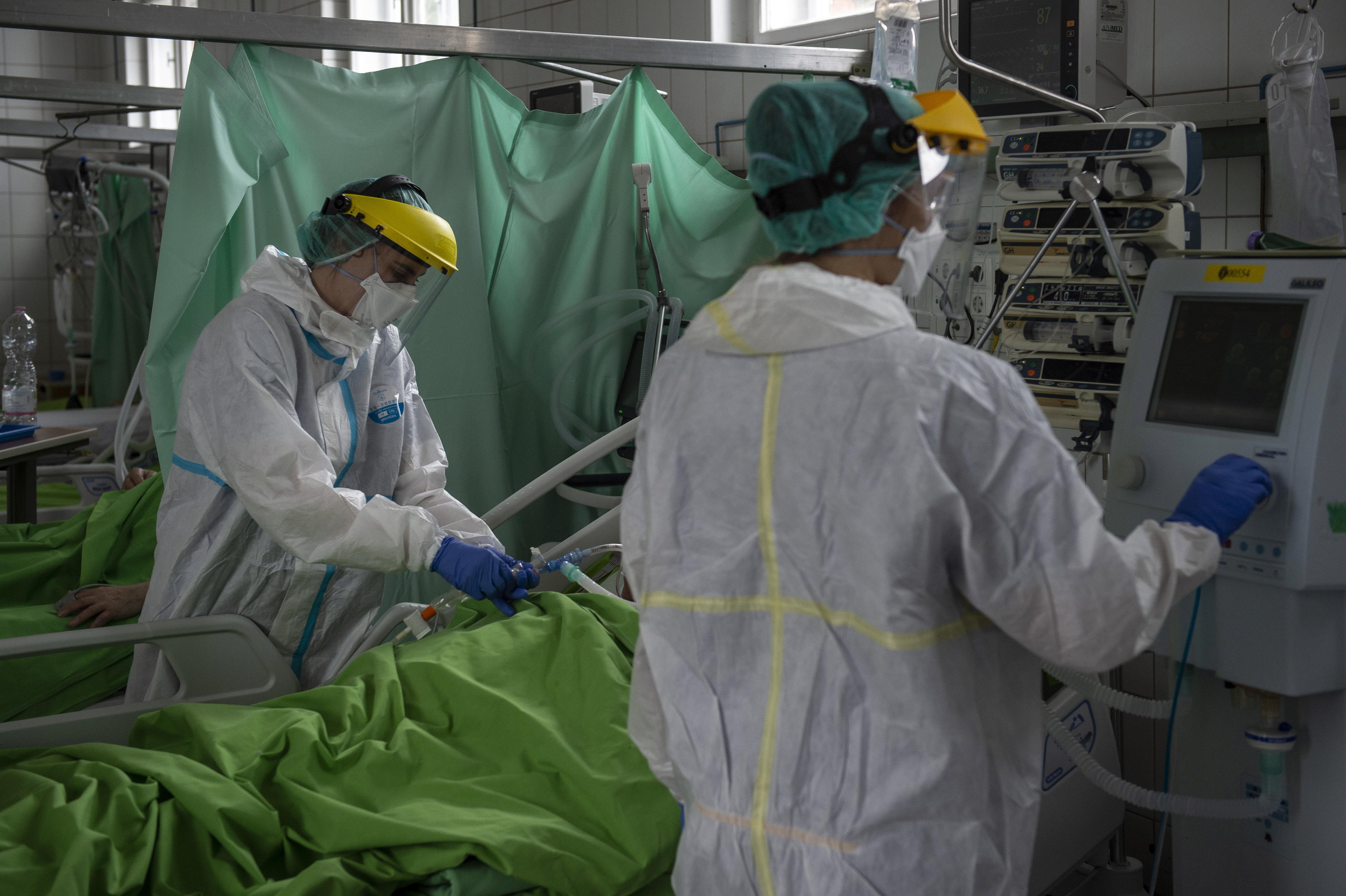 27-en haltak meg koronavírusban a szerdai adatok szerint