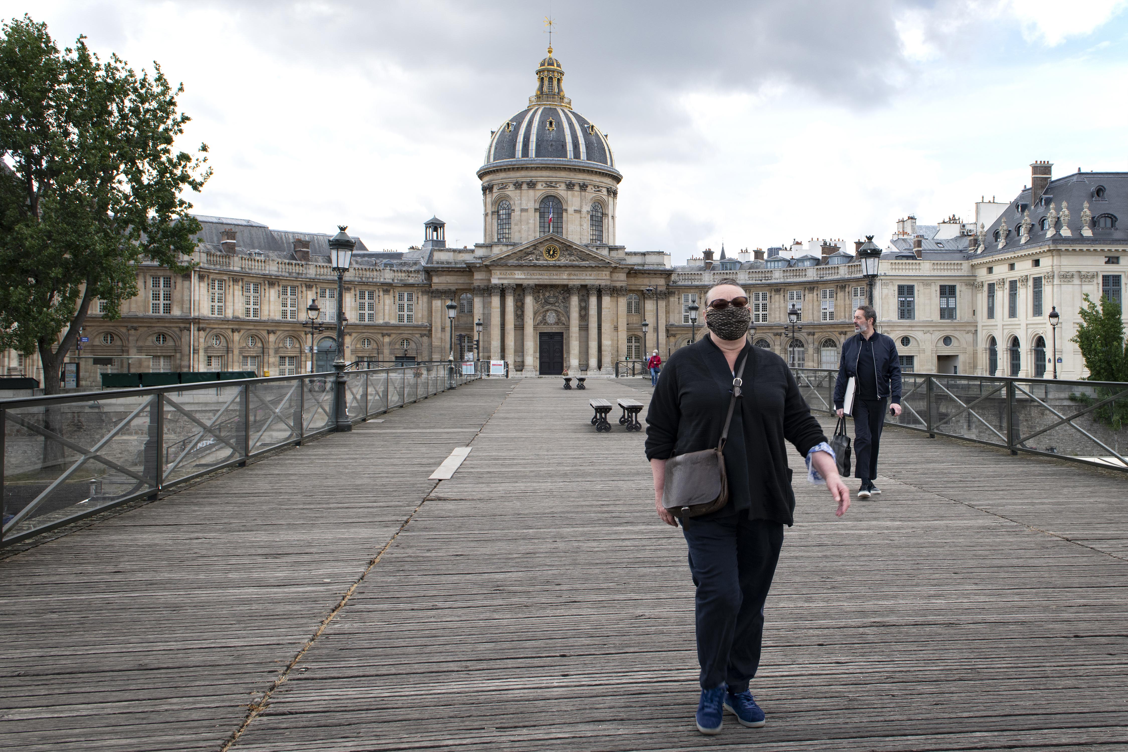 A francia kormány túl korainak tartaná a rendkívüli állapot feloldását