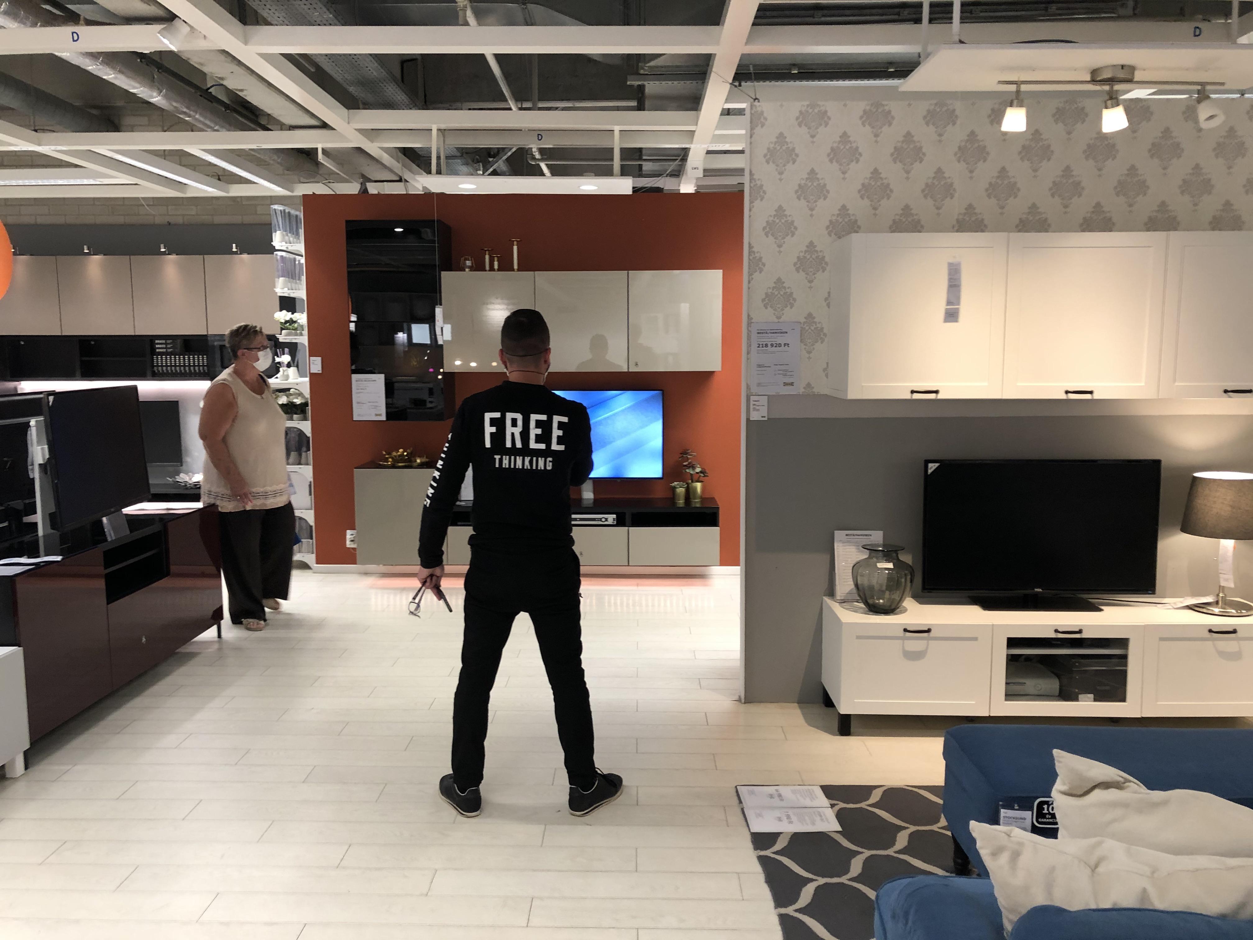 Intim környezetben tudtam együtt imádkozni néhány húsgolyóhívővel az újranyitott budaörsi IKEA-templomban