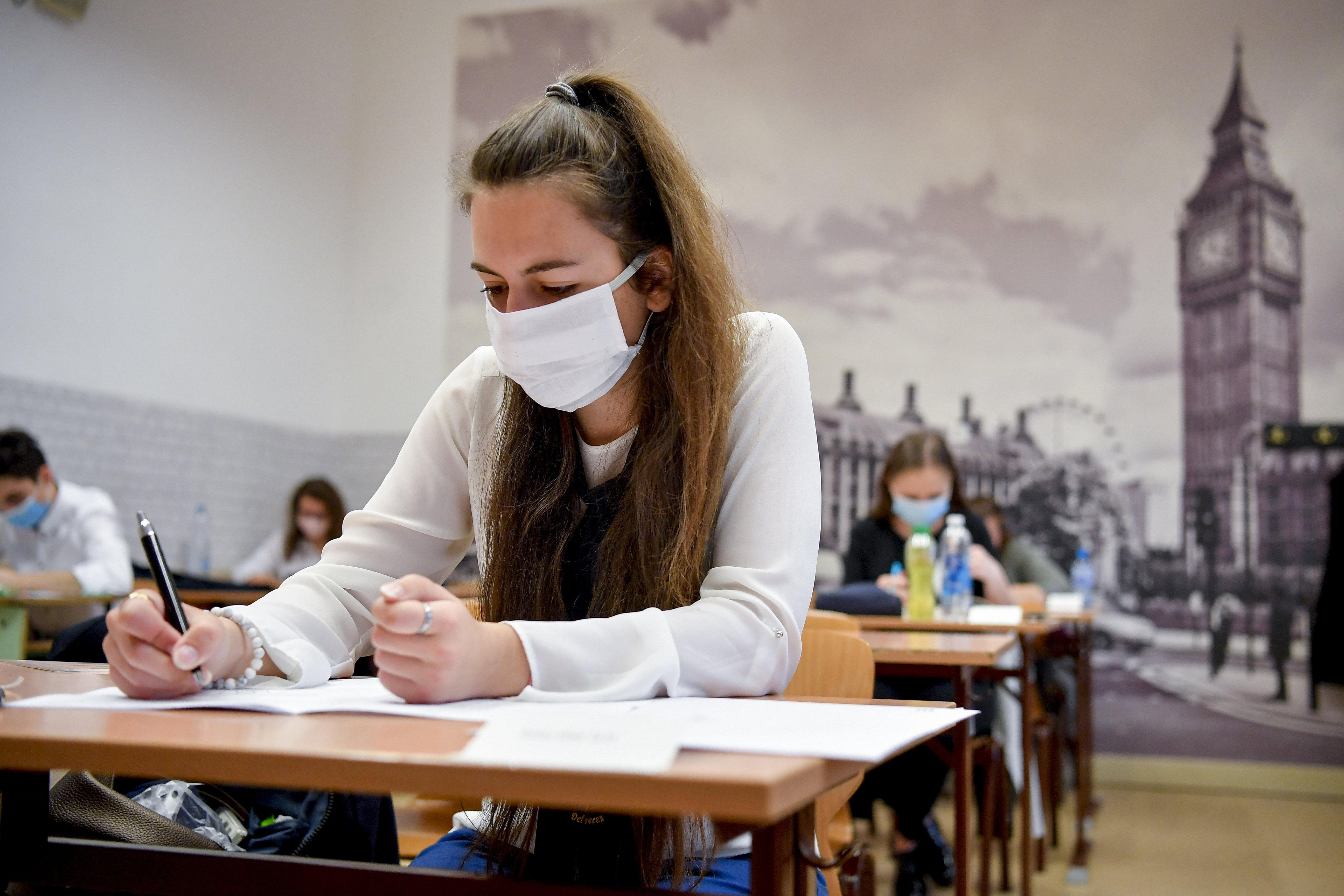 Nem muszáj ősszel érettségizniük azoknak, akik májusban a járvány miatt nem mentek el vizsgázni