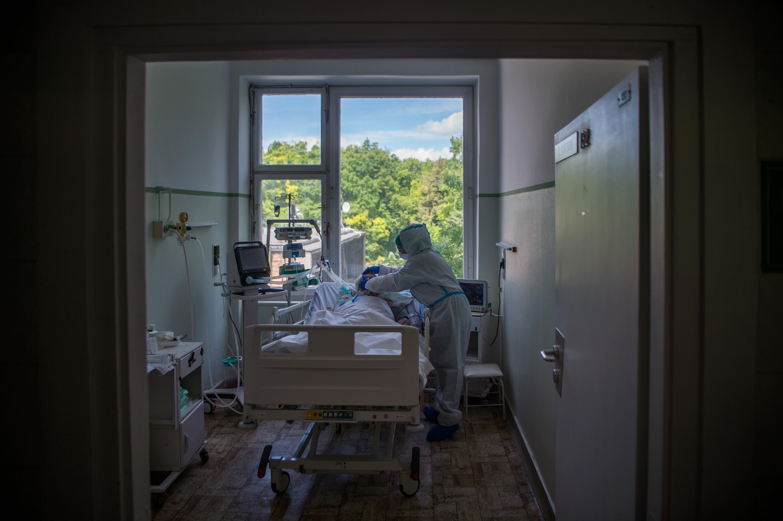 Budapestet a halálozások miatt tarthatja korlátozás alatt a kormány