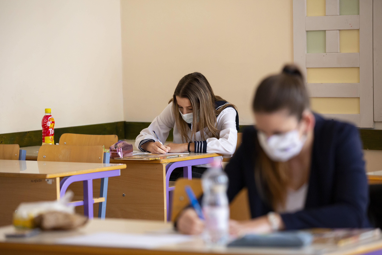 Magyar nyelv és irodalom írásbelikkel megkezdődik az idei érettségi