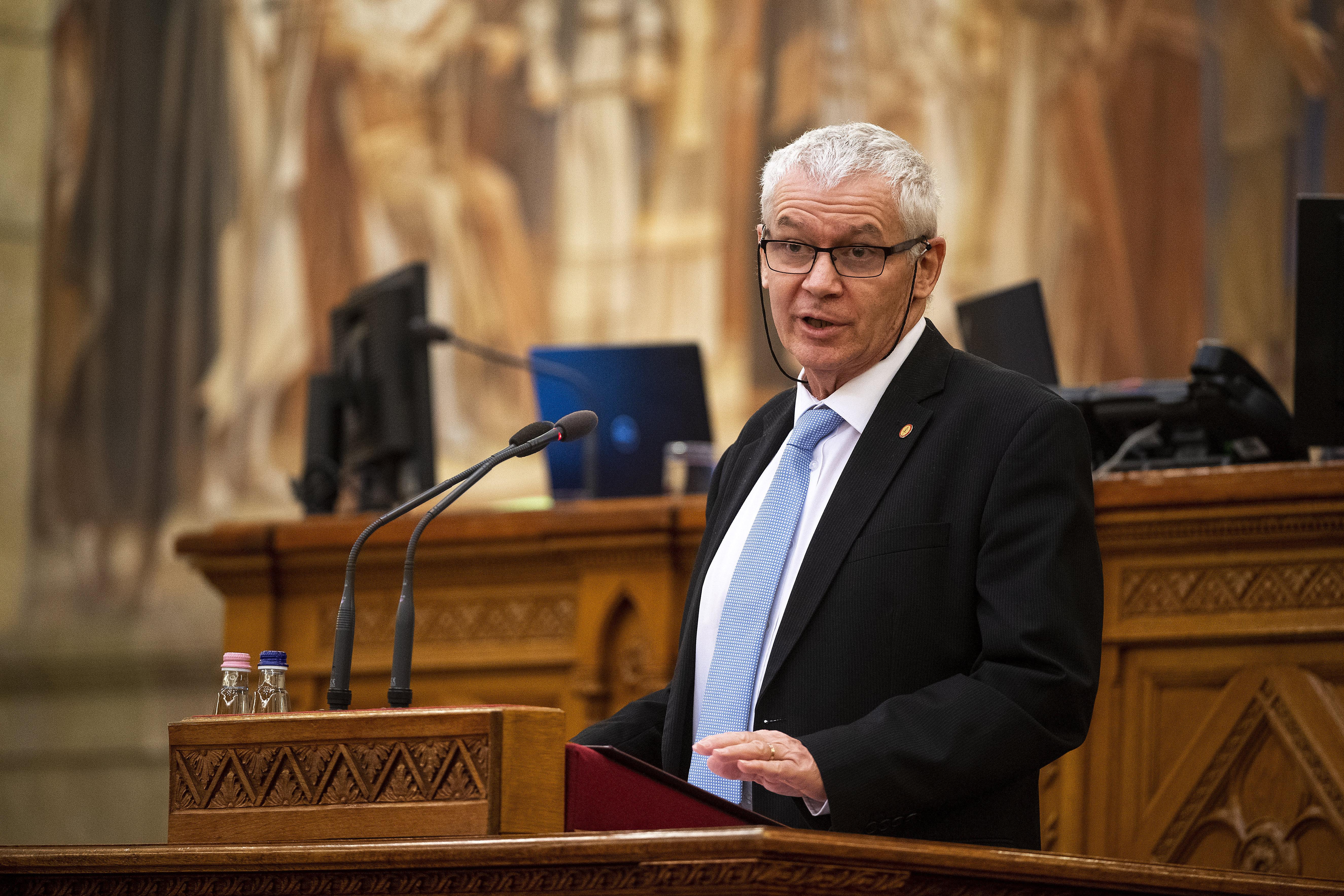 Polt Péter: Szijjártó jachtozása nem bűncselekmény