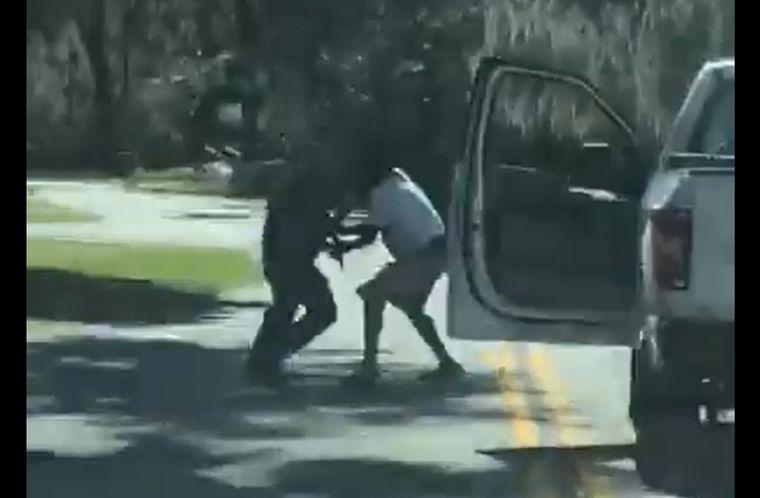 Georgiában többé nem tartóztathat le bárki bárkit