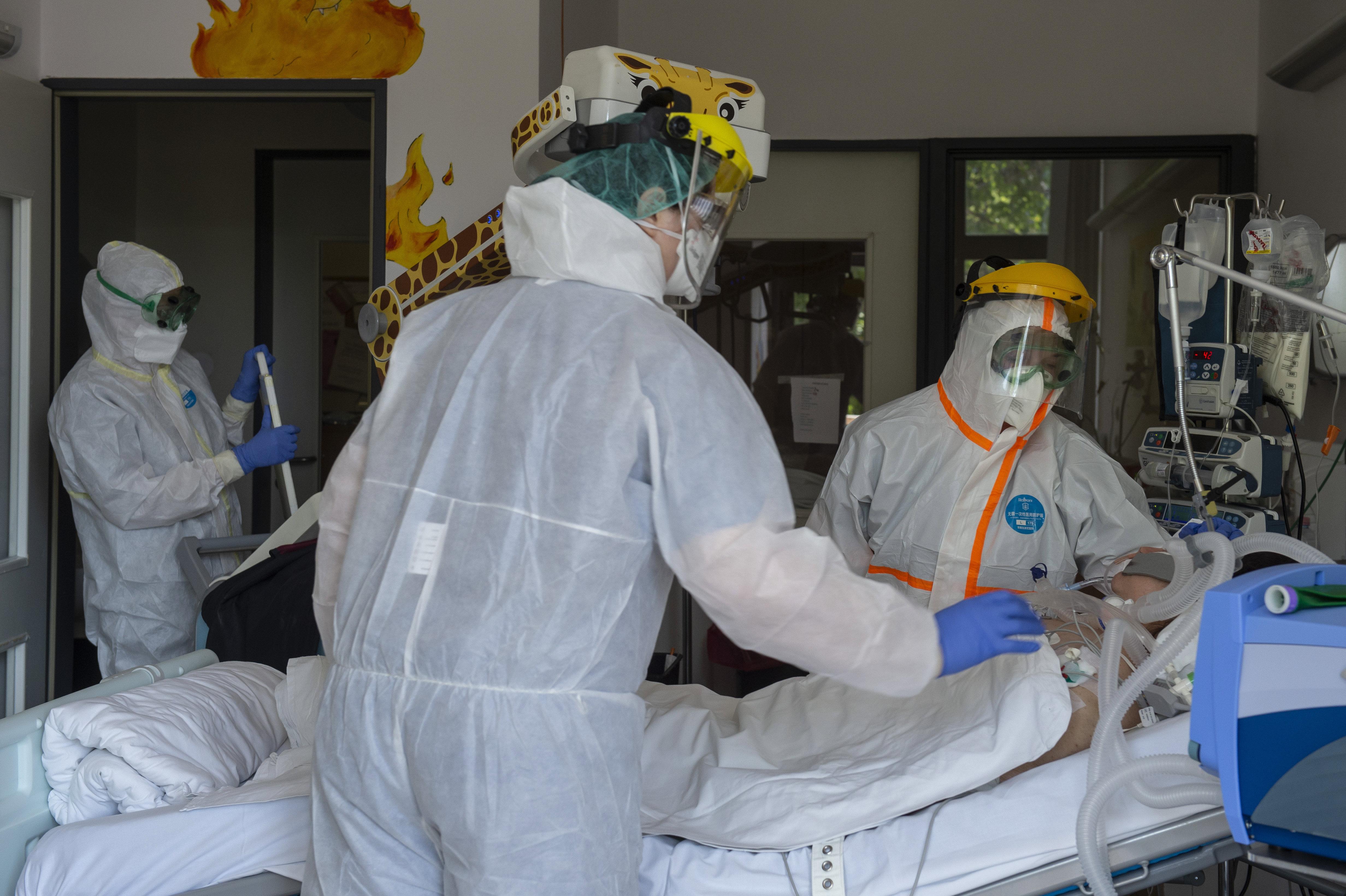Már most bergamói állapotok vannak a magyar kórházakban a Magyar Orvosok Szakszervezetének elnöke szerint