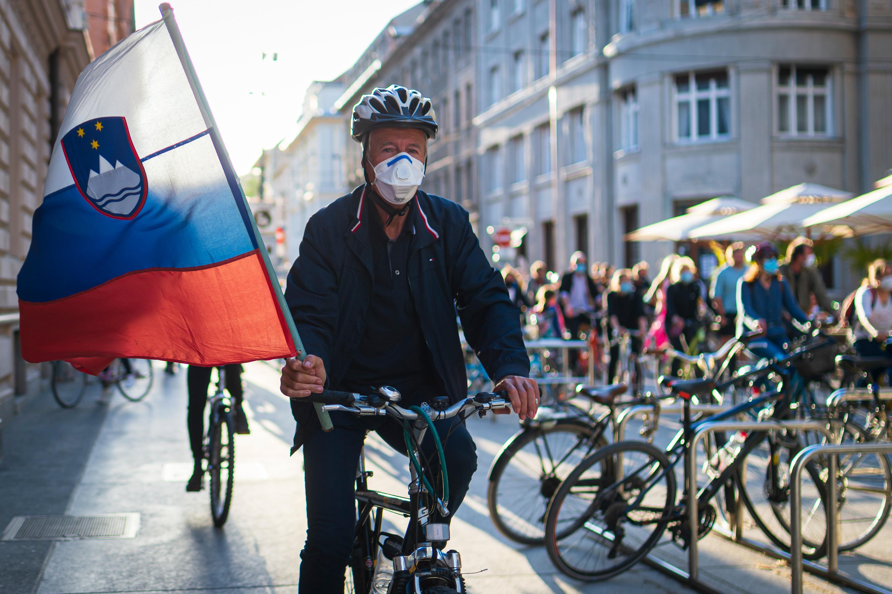 Lakhelyelhagyási tilalmat vezetnek be Szlovénia több régiójában