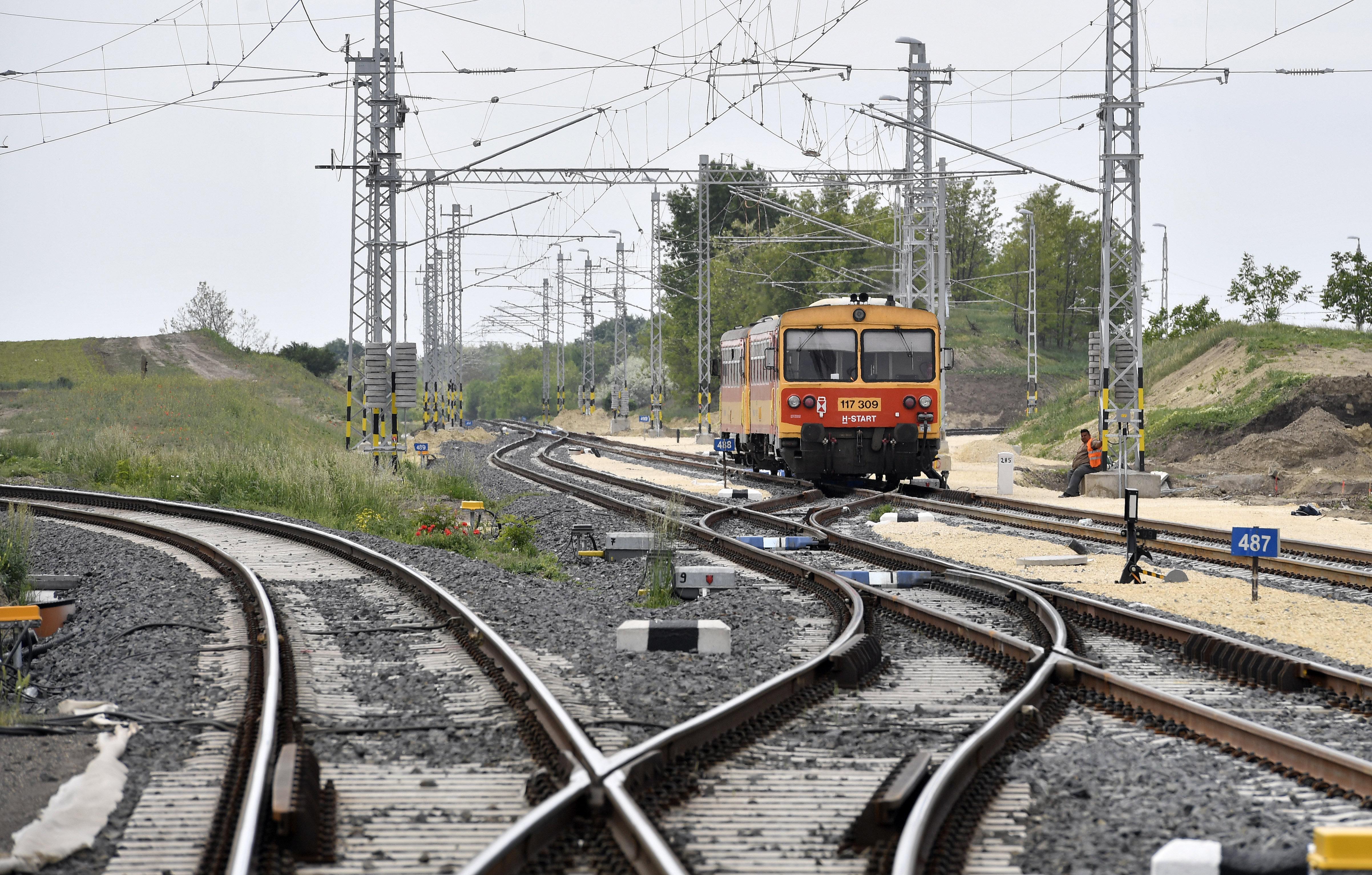 Tíz vasútvonalon visszavonja a minisztérium a sokat kritizált járatritkítást