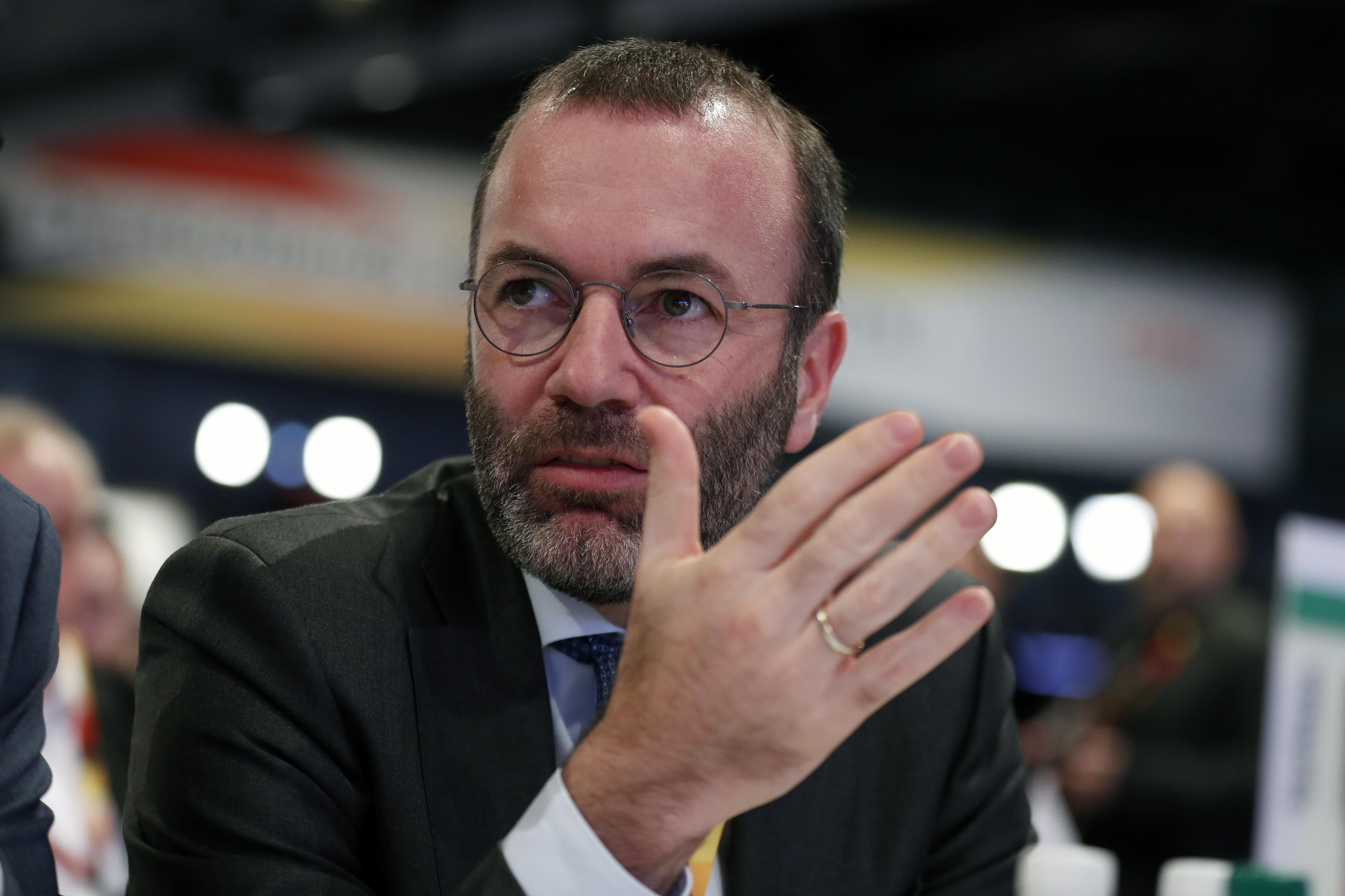 Weber szerint egy évre be kellene tiltani az európai cégek kínai felvásárlását