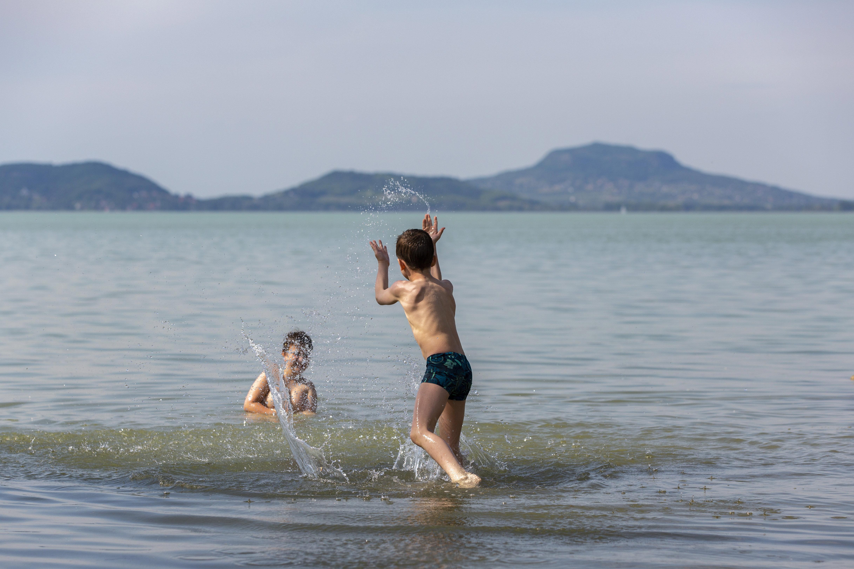 A pünkösdi hétvégén kinyit egy halom strand országszerte