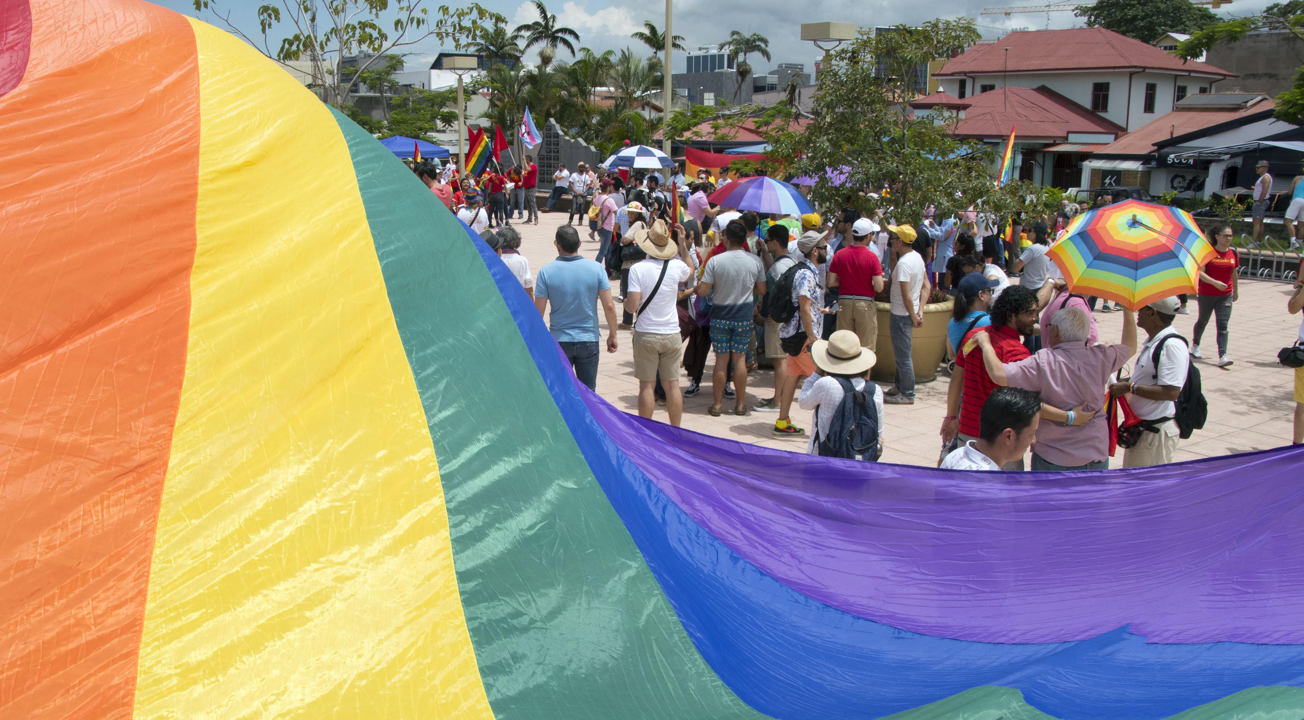 Közép-Amerikában elsőként Costa Ricában legalizálták a melegházasságot