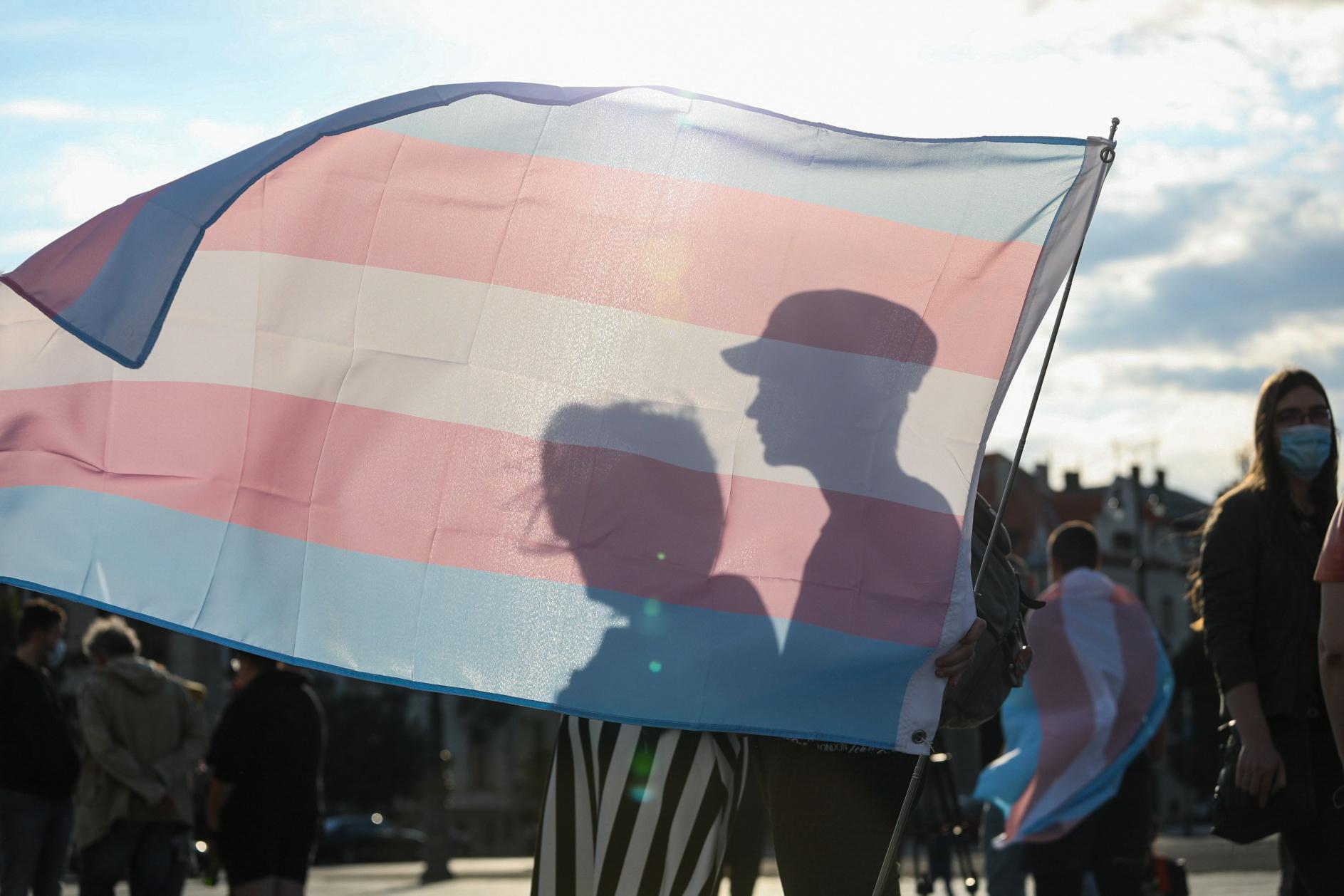 Tabukérdésekre válaszolnak transzneműek a Budapest Pride új videósorozatában