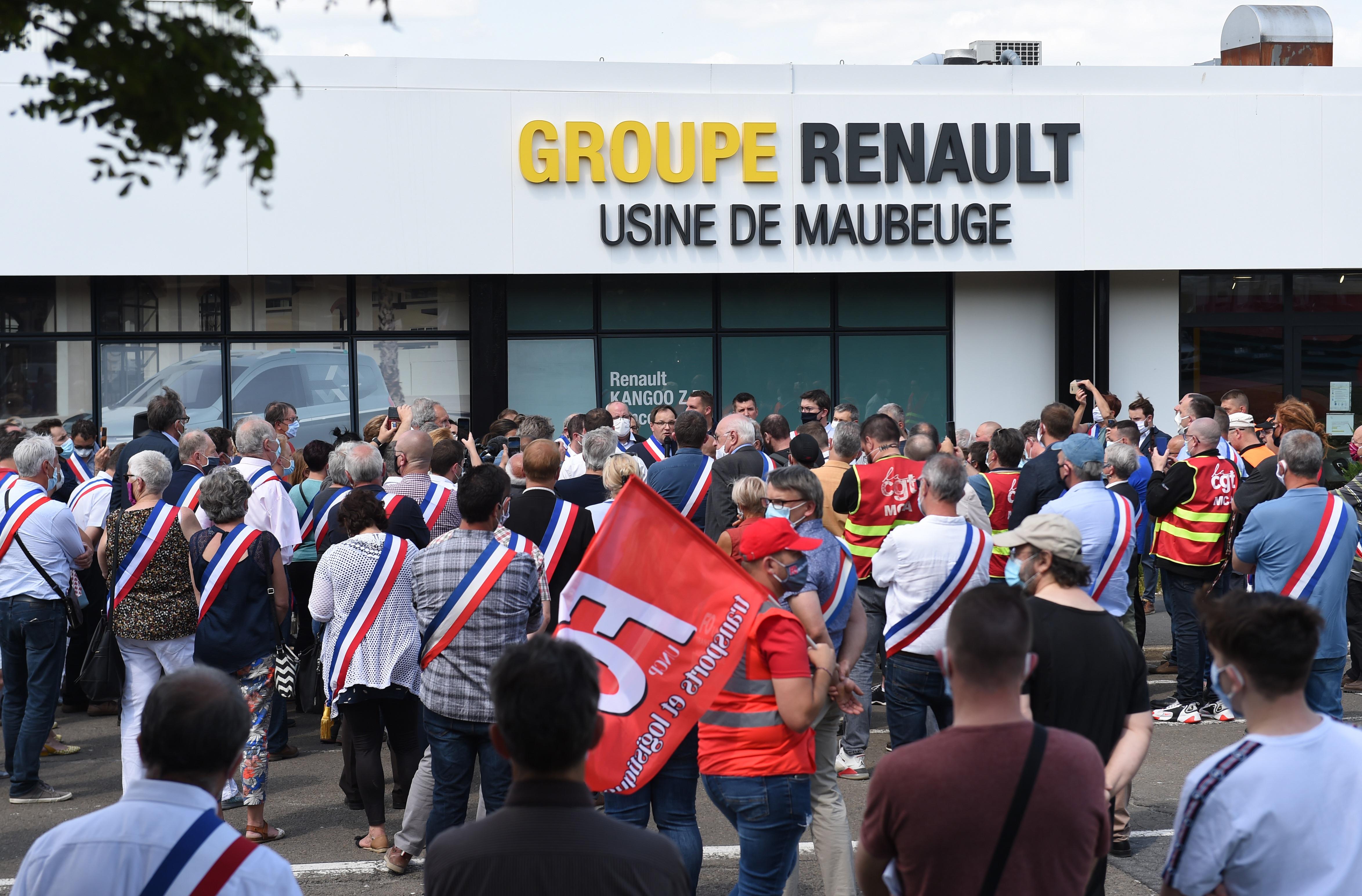 Felszámolja a munkahelyeinek 10 százalékát a Renault