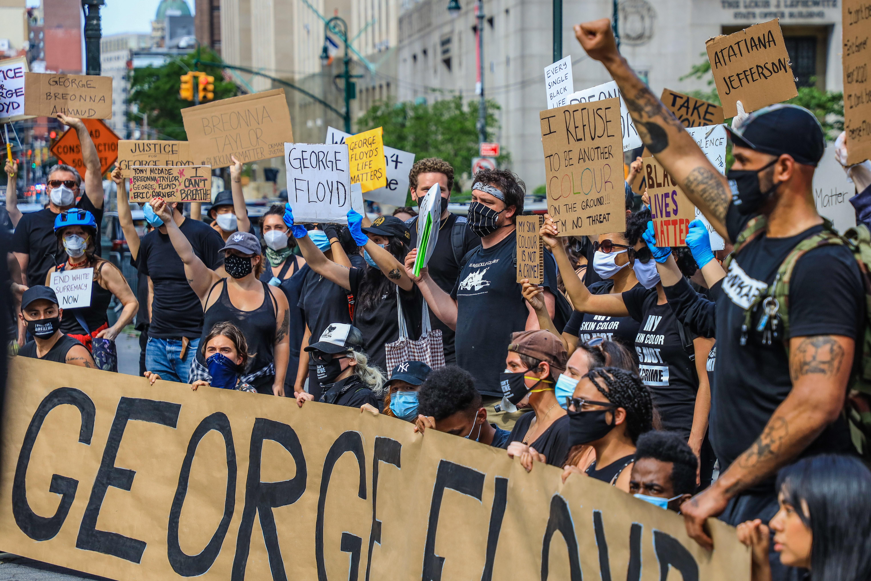 Egy időre a Fehér Házat is le kellett zárni a rendőri erőszak elleni tüntetések miatt