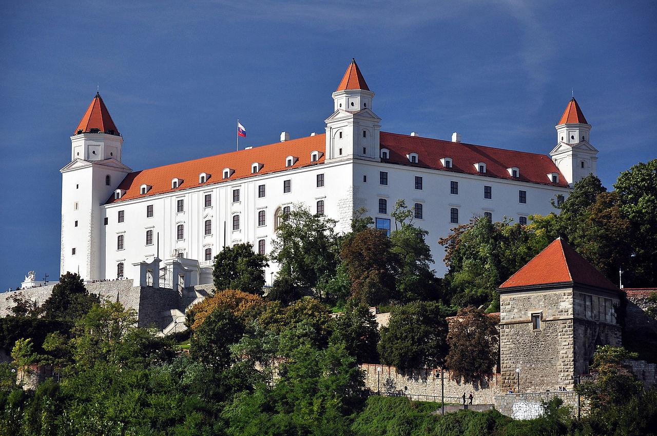 100 felvidéki magyart hívott trianoni megemlékezésre a szlovák miniszterelnök a pozsonyi várba