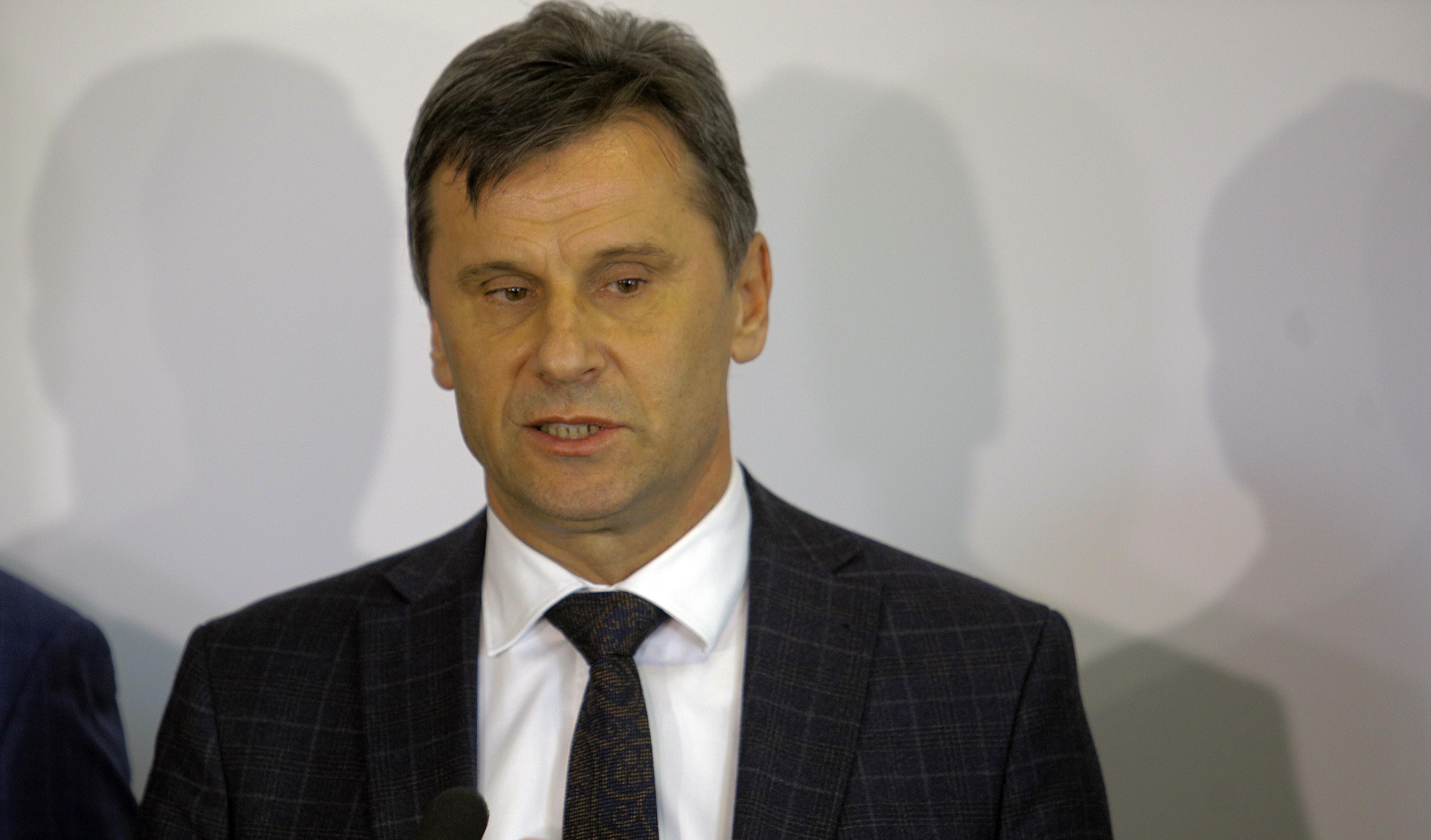 Szabadlábon védekezhet a bosnyák-horvát miniszterelnök, akit használhatatlan kínai lélegeztetőgépek miatt vettek őrizetbe