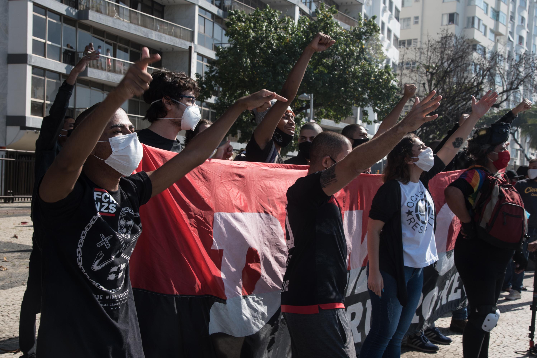 Futballszurkolók tüntettek Brazíliában Bolsonaro ellen és a demokráciáért
