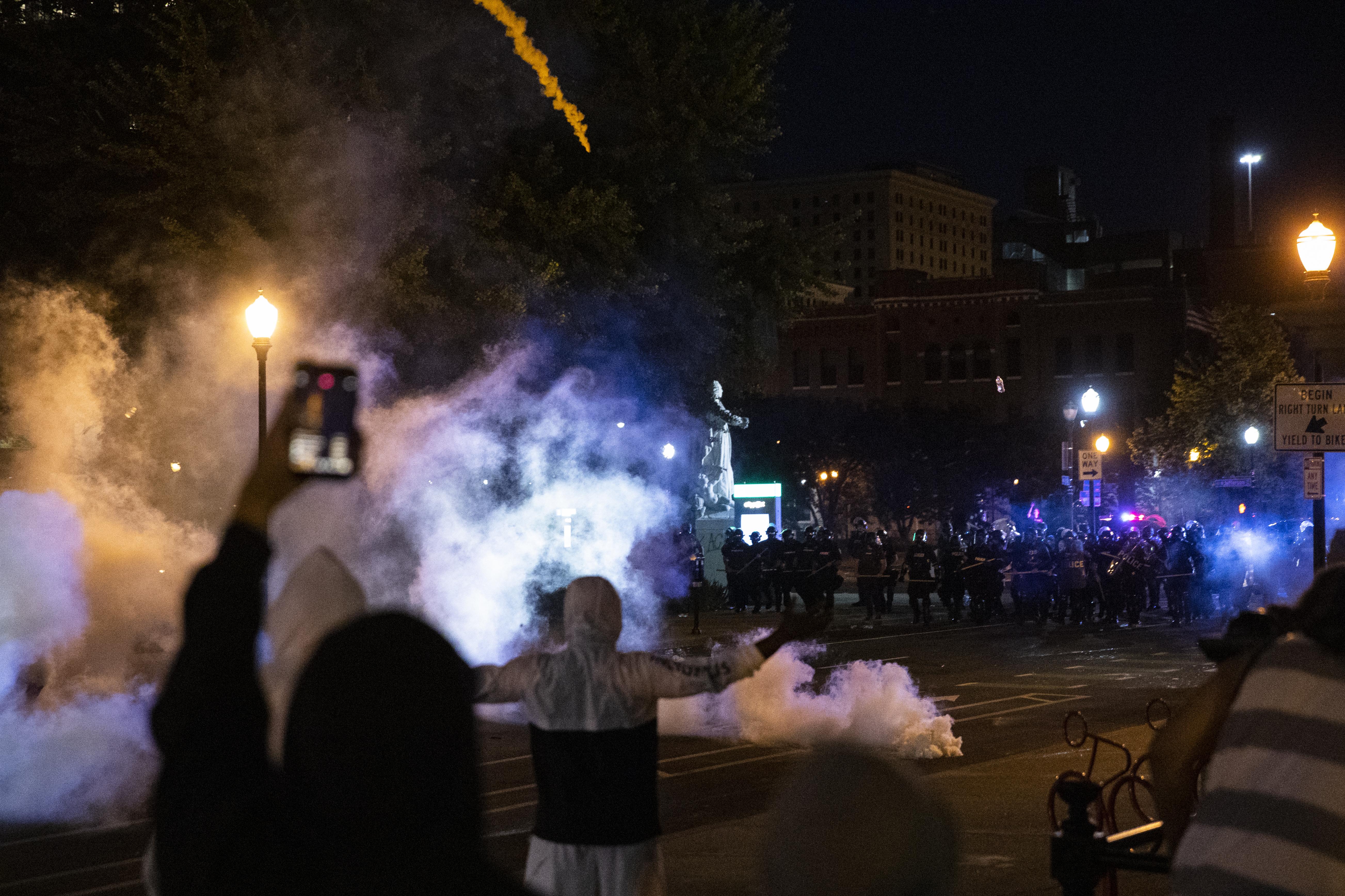 Agyonlőttek egy tiltakozót a kentucky-i Louisville-ben
