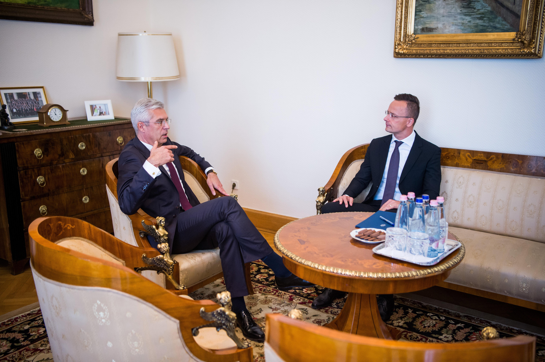 Szlovákia bekérette a magyar nagykövetet