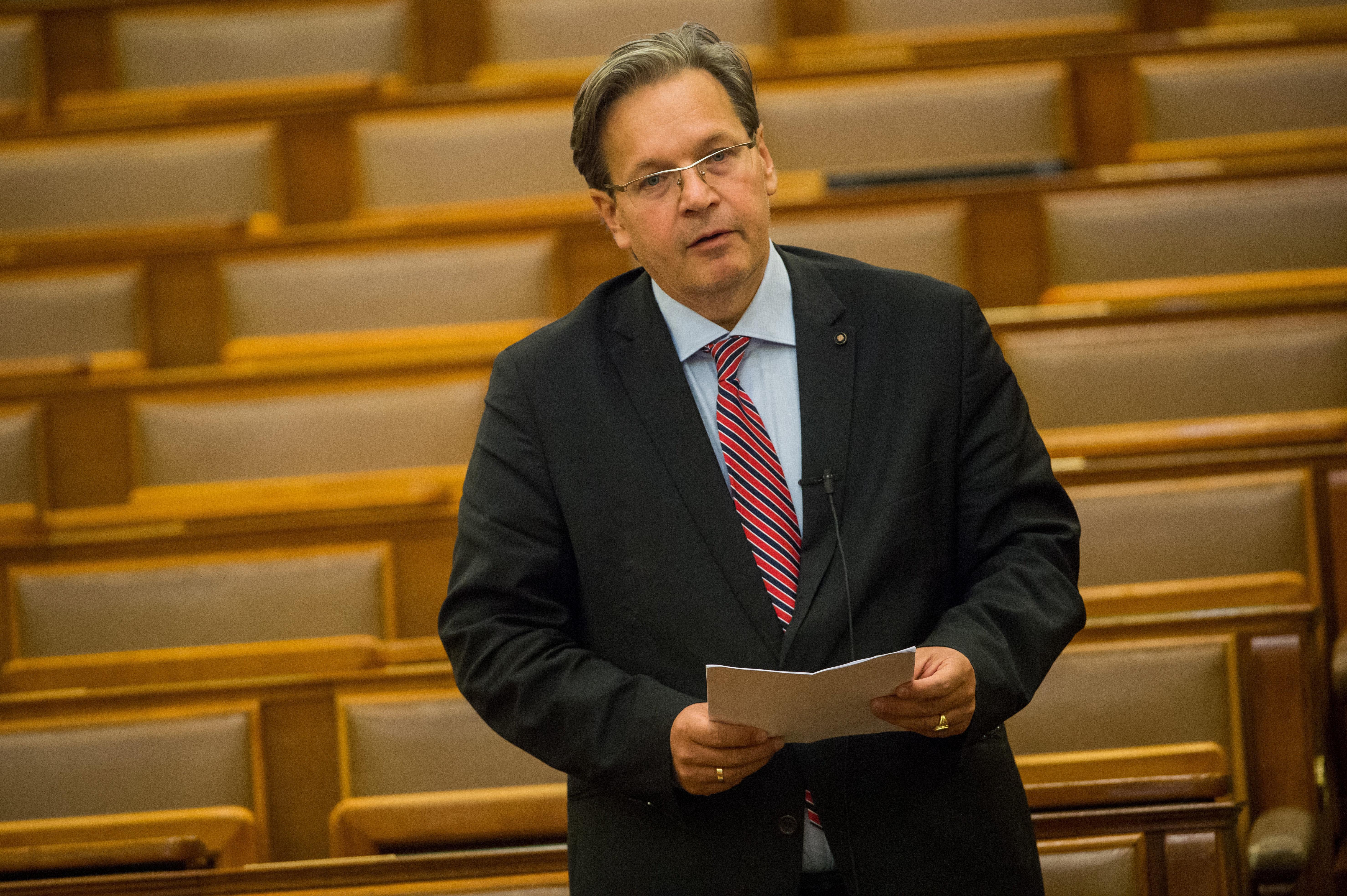 A KDNP-s Vejkey Imre indítványa megszüntetné az Egyenlő Bánásmód Hatóságot