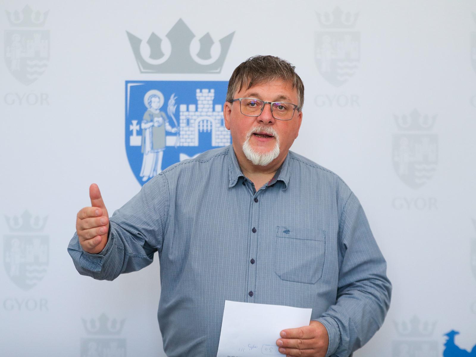 Győr fideszes polgármestere szerint sem olyan jó ötlet privatizálni az önkormányzati bérlakásokat