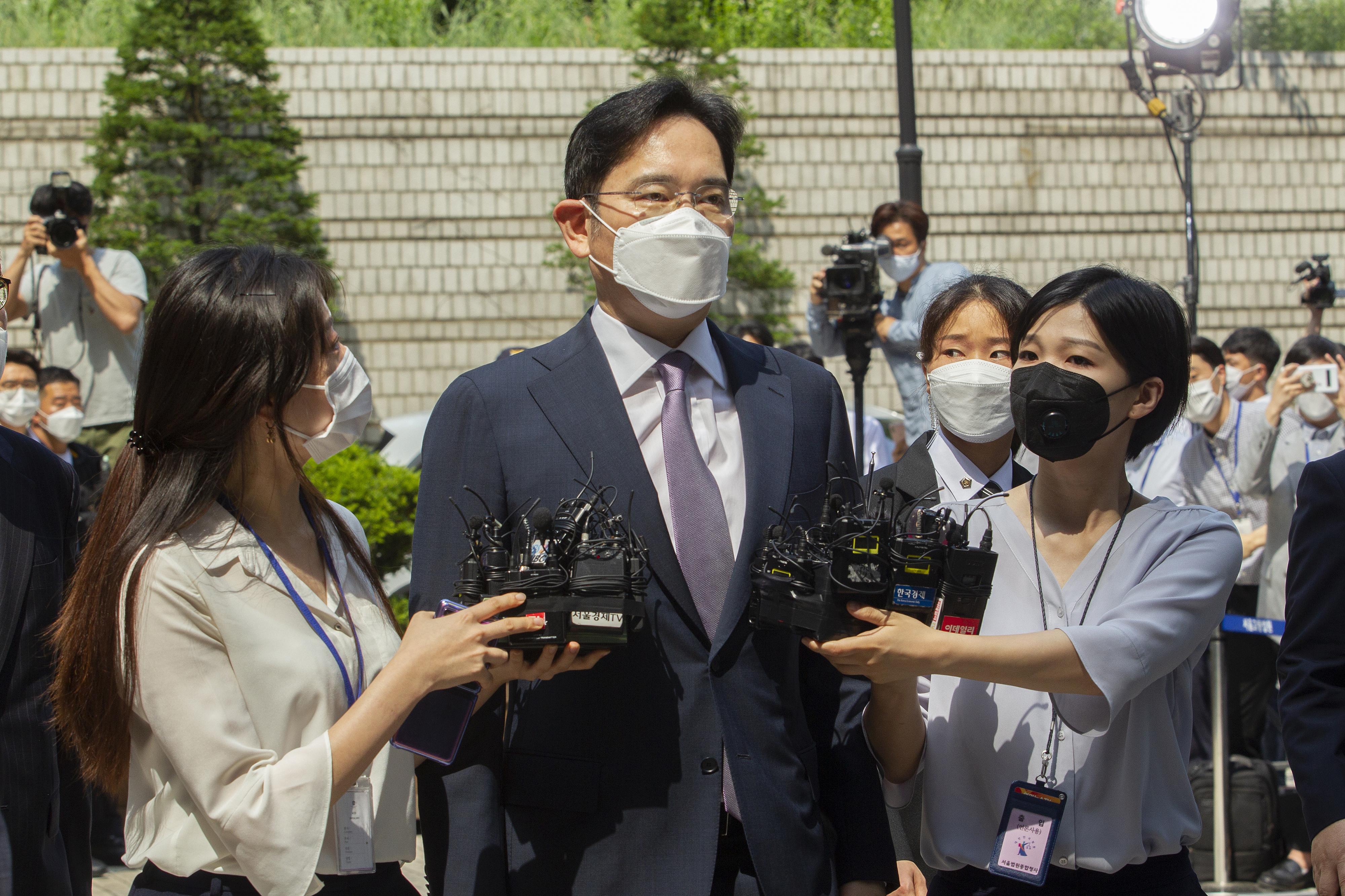 A bíróság megtagadta a letartóztatási parancs kiadását a Samsung csalással gyanúsított vezetője ellen