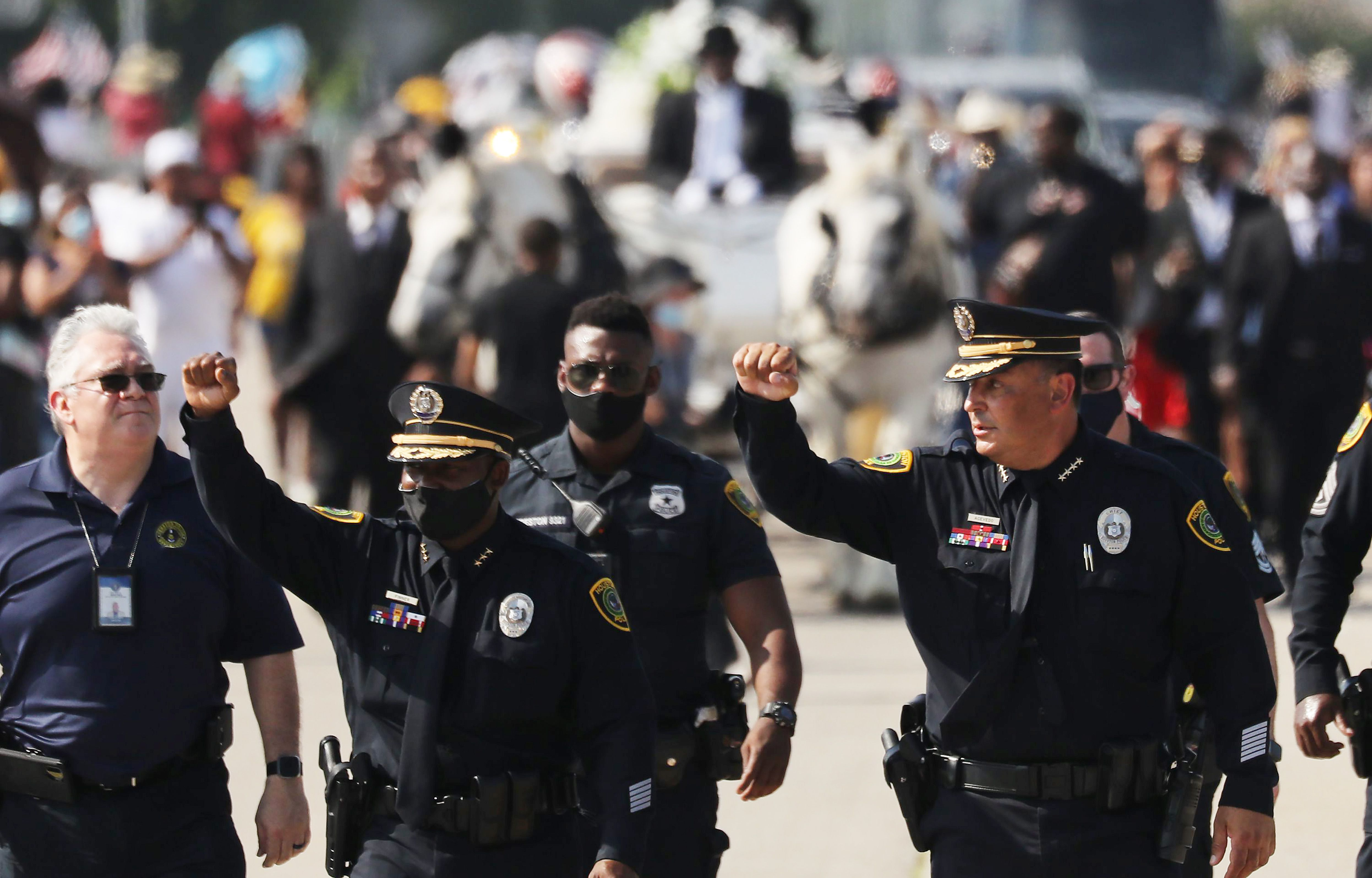 Sorra felszámolják az iskolarendőri posztokat az amerikai oktatási intézmények