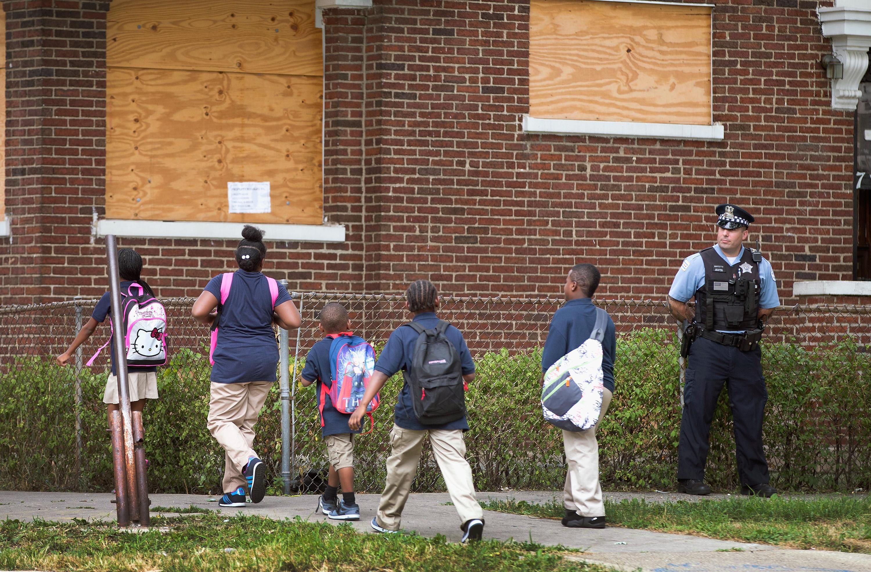 Az iskolaőrség csak a tüneteit kezelné az iskolán belüli erőszaknak