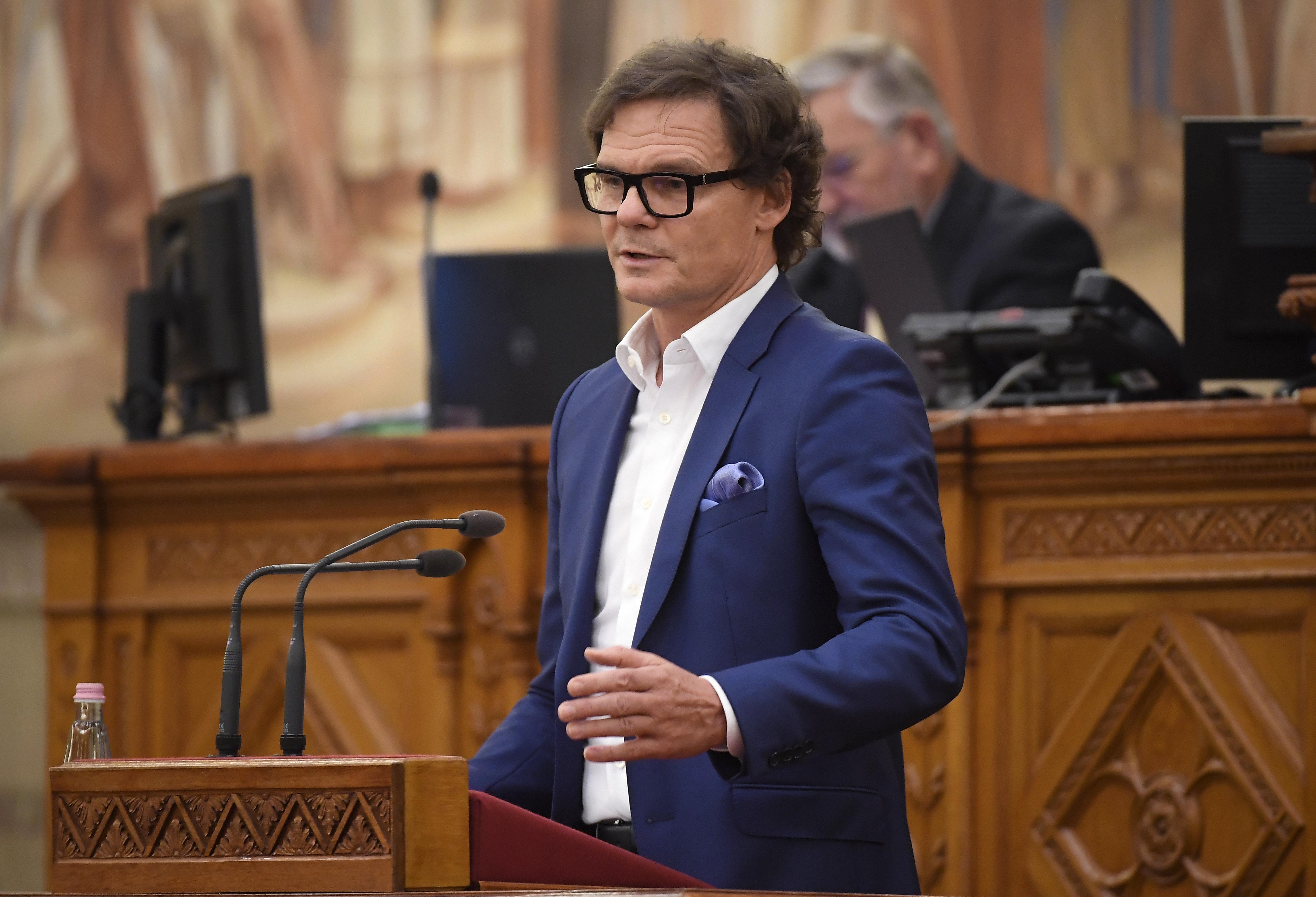Bánki Erik fideszes képviselő ex-felesége is kapott az állami turizmusfejlesztési támogatásból