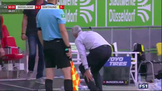 A Dortmund edzője ugrándozás közben belesérült csapata győztes góljába, és már nem először