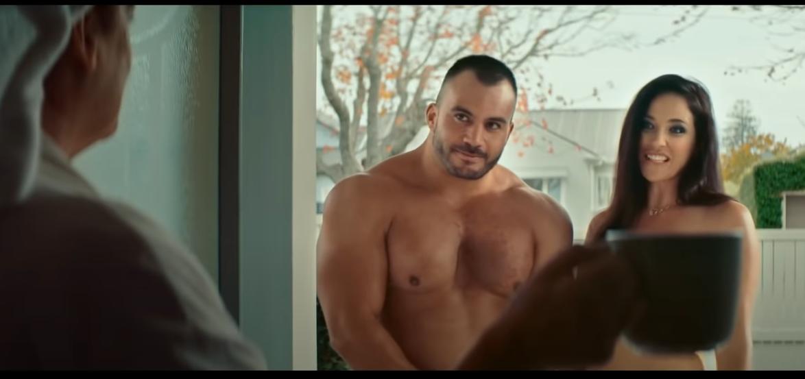 Pornósztáros reklámmal hívja fel a figyelmet az internet veszélyeire az új-zélandi kormány