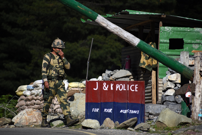Legalább 20 indiai katona meghalt a kínaiakkal való kasmíri összetűzésben