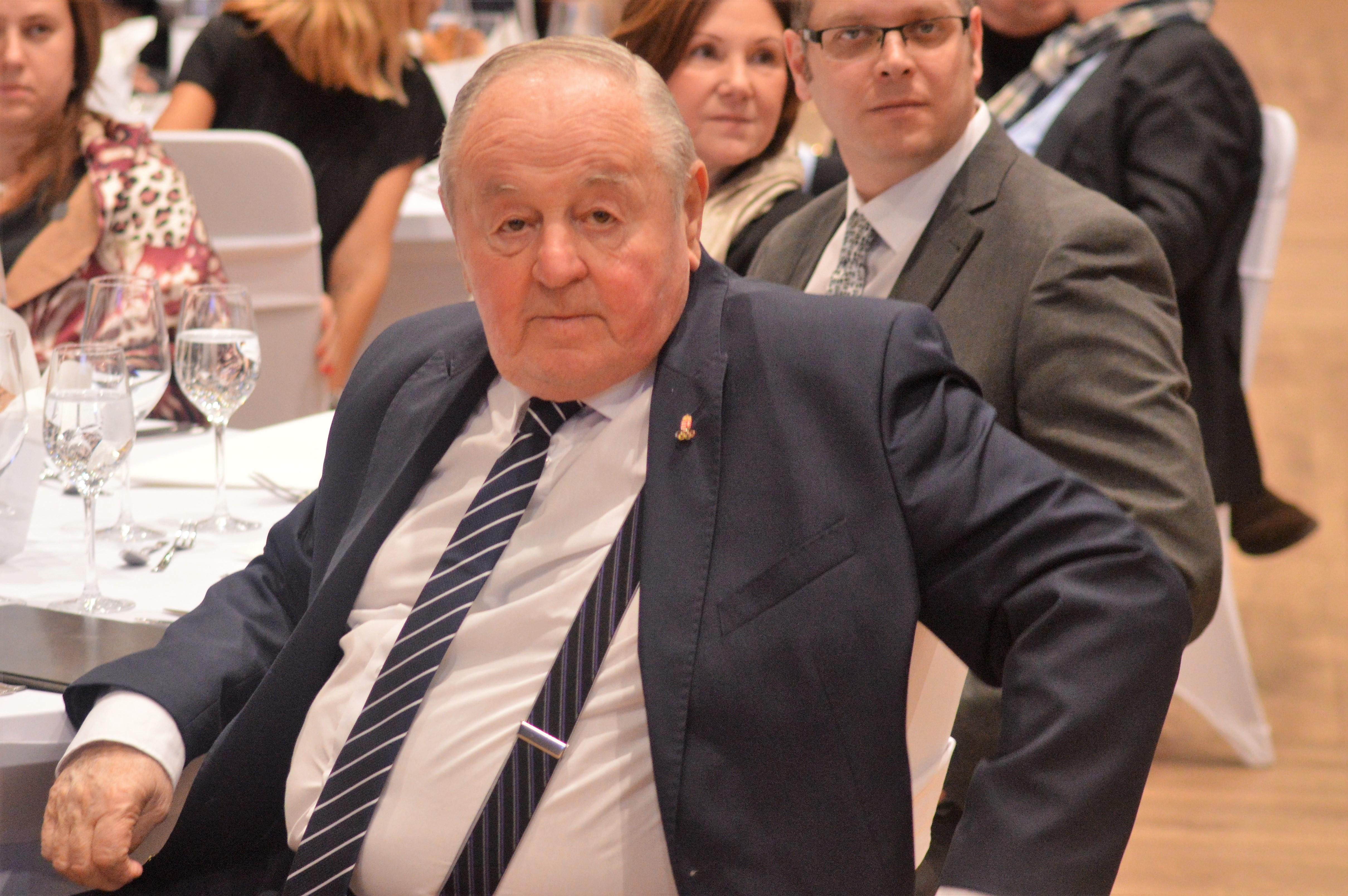 Meghalt Kárpáti György