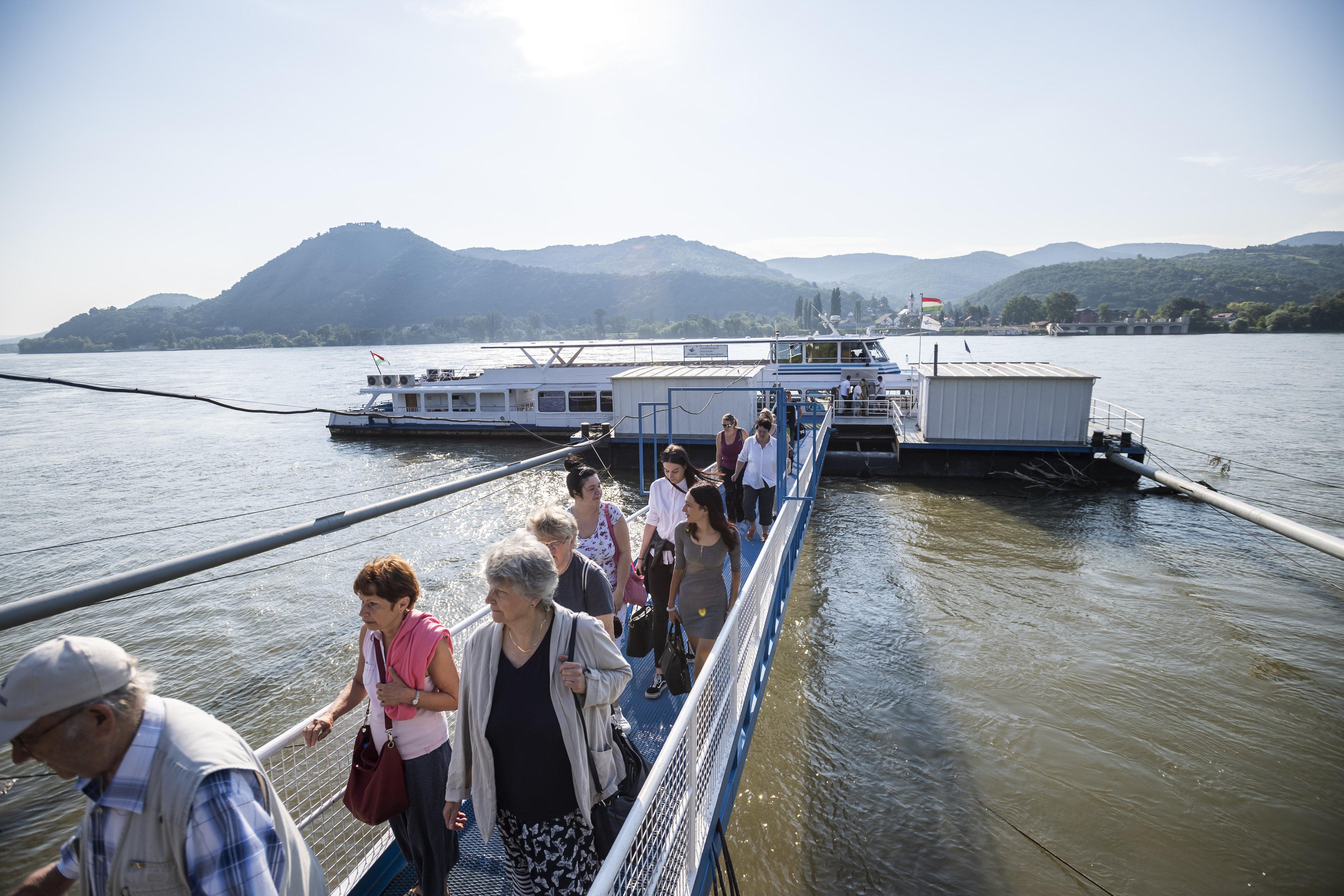 Szombattól nemcsak teraszon ülni, de hajókázni is lehet majd a Dunakanyarban