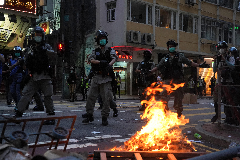 Ezrek vonultak a hongkongi utcákra, máris élesítették a nemzetbiztonsági törvényt