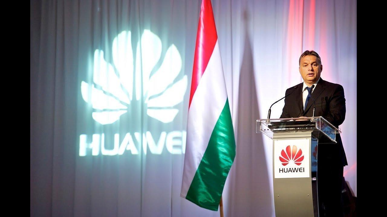 Elkezdték kiszorítani a Huaweit Európa 5G-hálózataiból, de az Orbán-kormány még kitart a kínai cég mellett